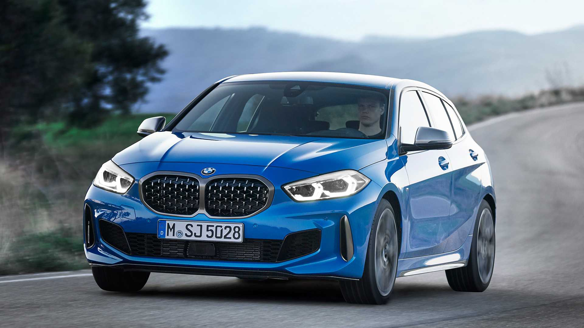 2020 bmw 1 series hatchback debuts with 2.0-liter turbo