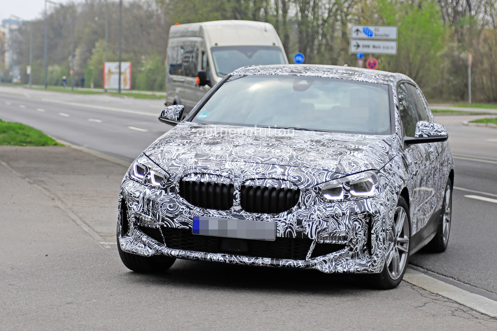2020 bmw 1 series reveals appropriately aggressive front. Black Bedroom Furniture Sets. Home Design Ideas