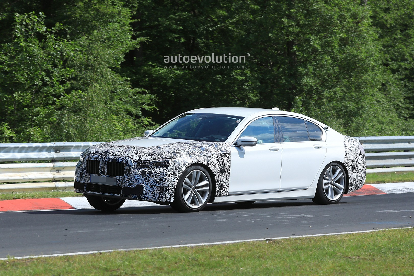 2020 Bmw 7 Series Facelift Gets Quot Pig Nose Quot Face Thanks To