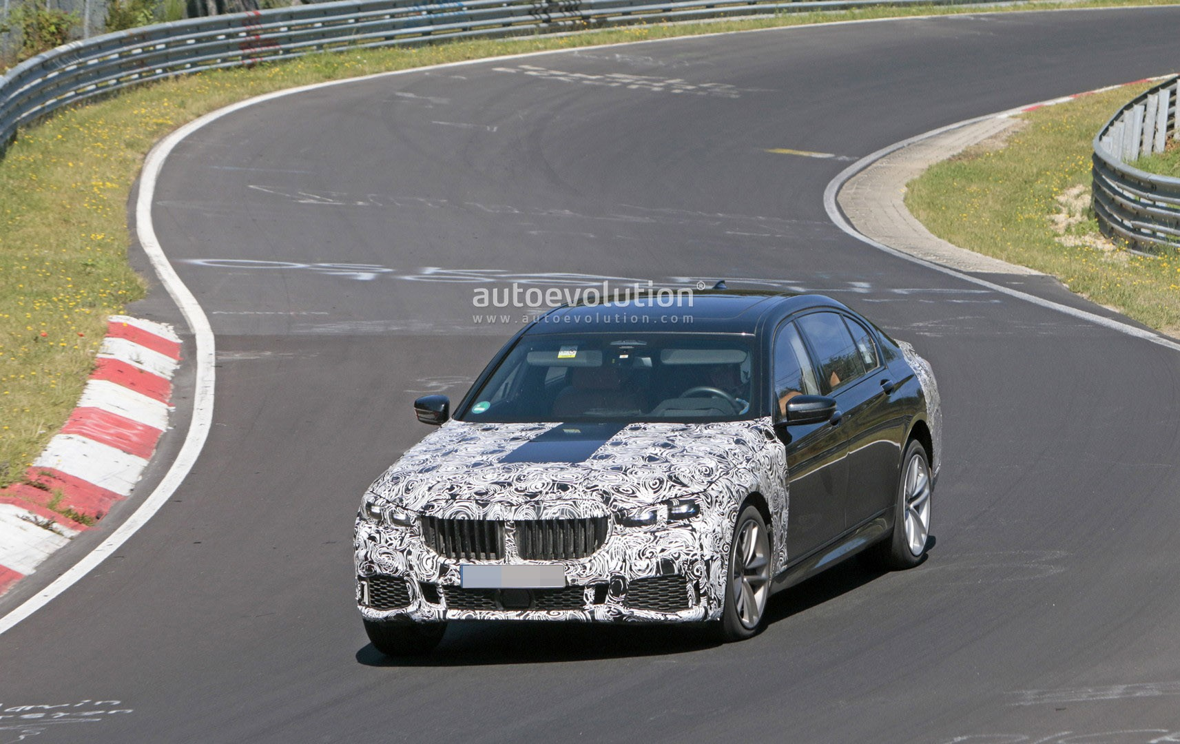 2020 Bmw 7 Series Shows M Sport Package At The Nurburgring