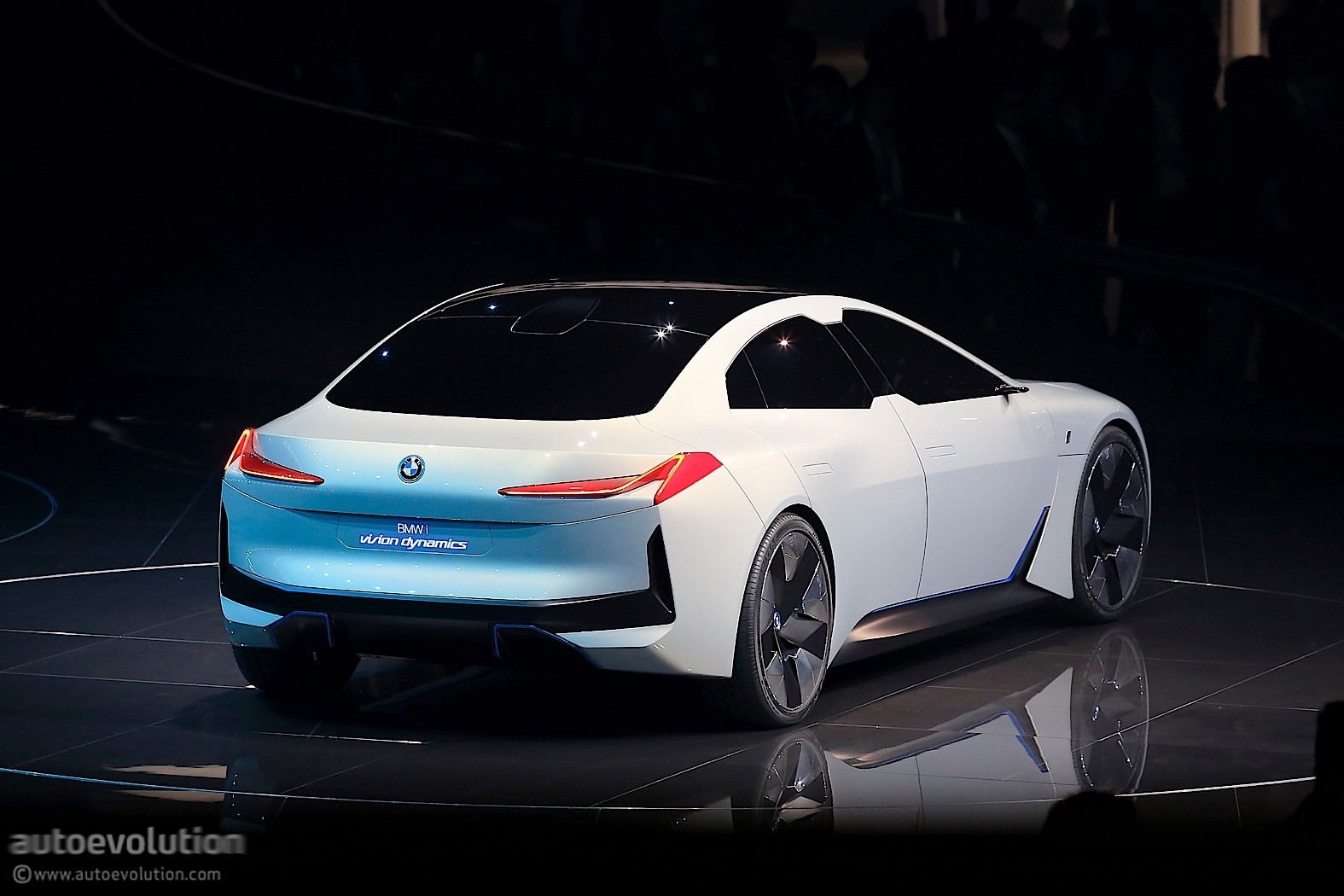 2020 BMW i4 to Have Tesla-Beating Range - autoevolution