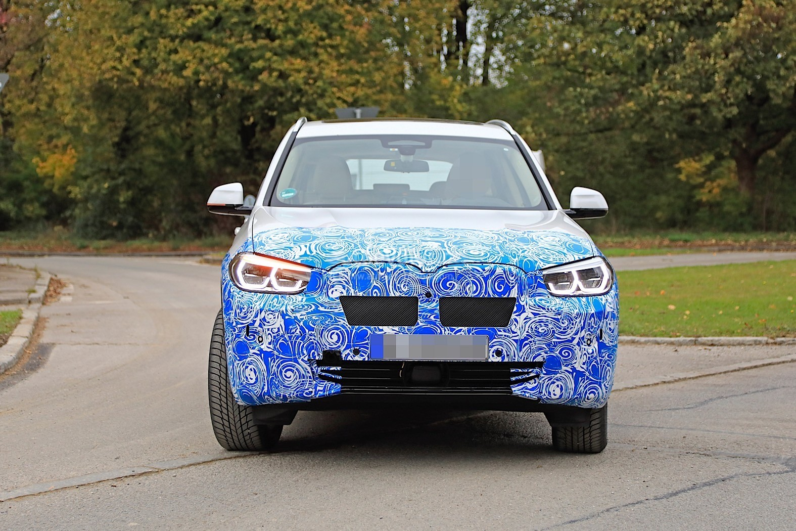 2016 - [BMW] X3 [G01] - Page 11 2020-bmw-ix3-shows-all-angles-in-new-spyshots_20