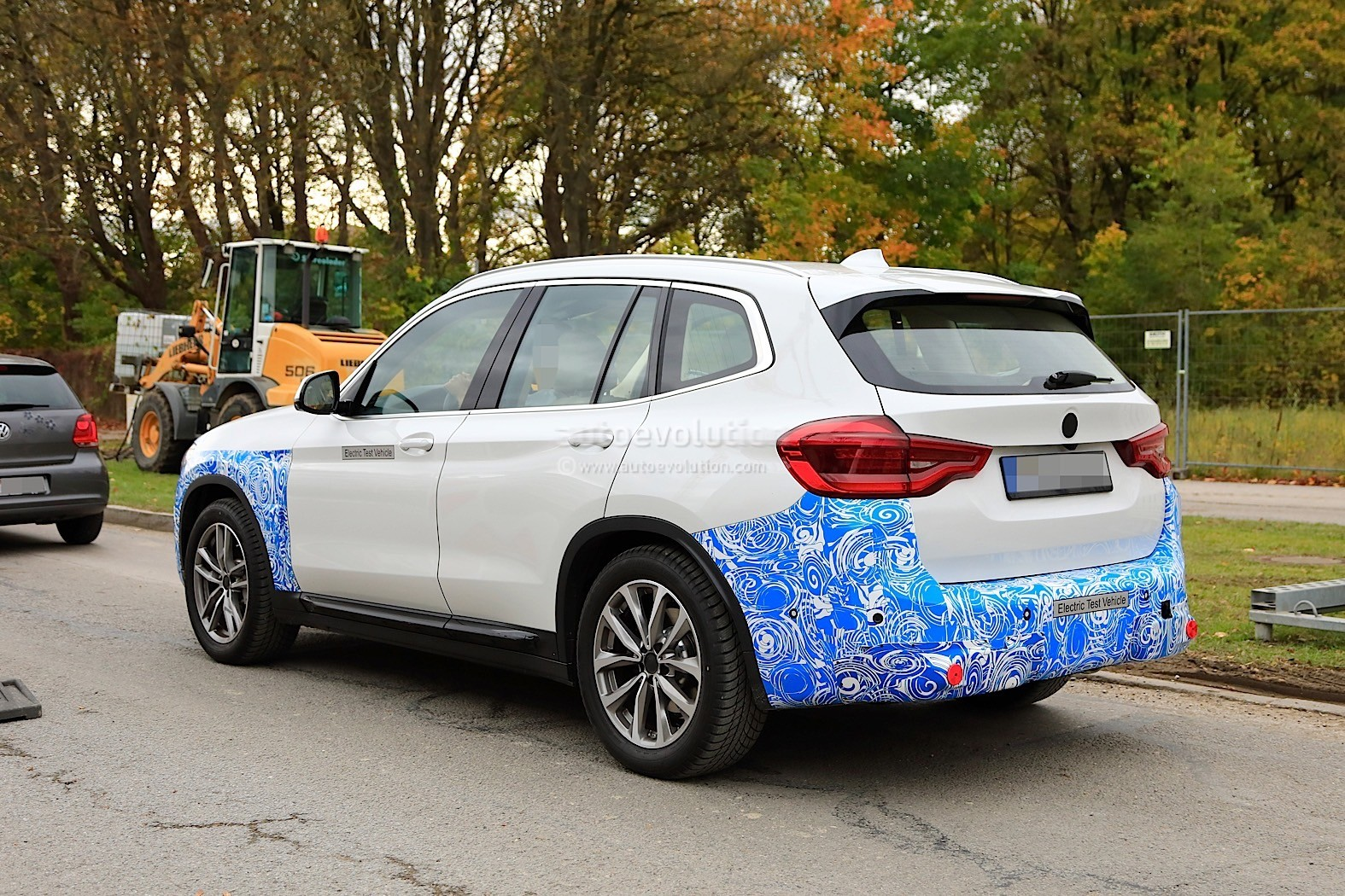 2016 - [BMW] X3 [G01] - Page 11 2020-bmw-ix3-shows-all-angles-in-new-spyshots_23