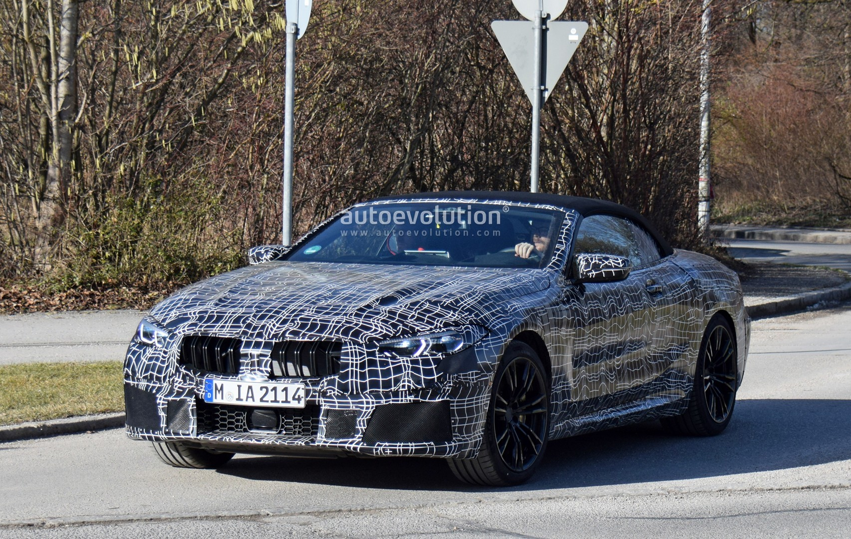 2020 BMW M8 Convertible Spied With Less Camouflage ...