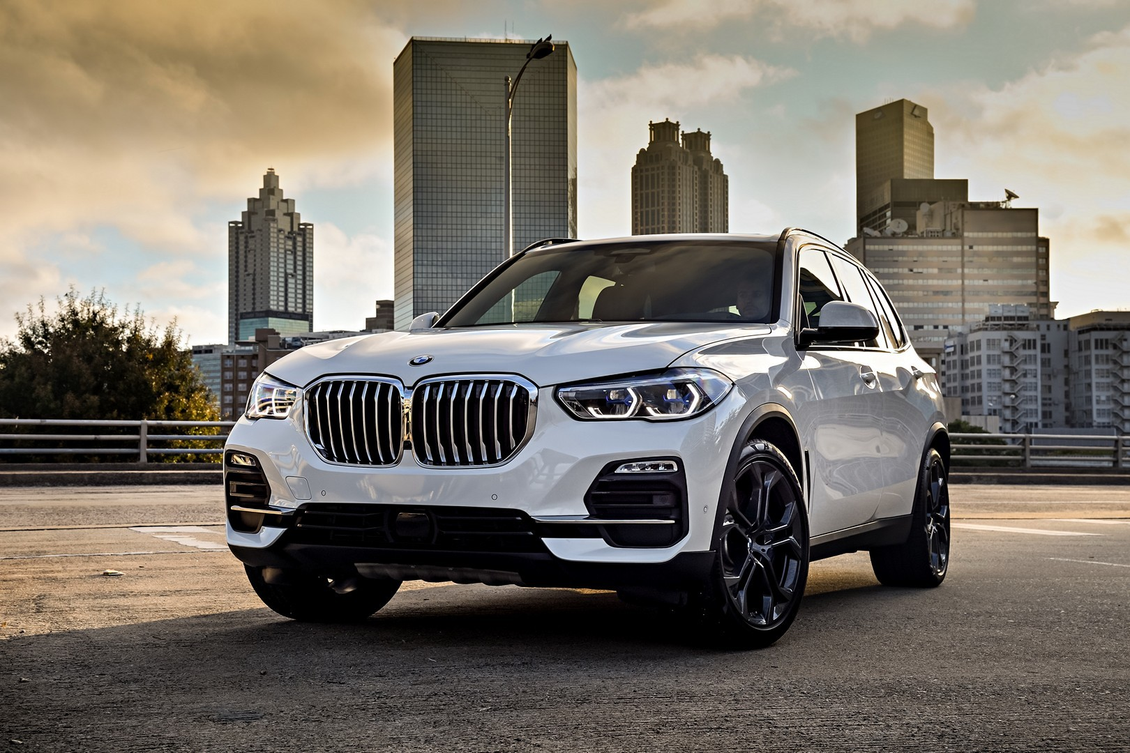 2020 BMW X5 Welcomes xDrive45 Plug-In Hybrid SUV ...