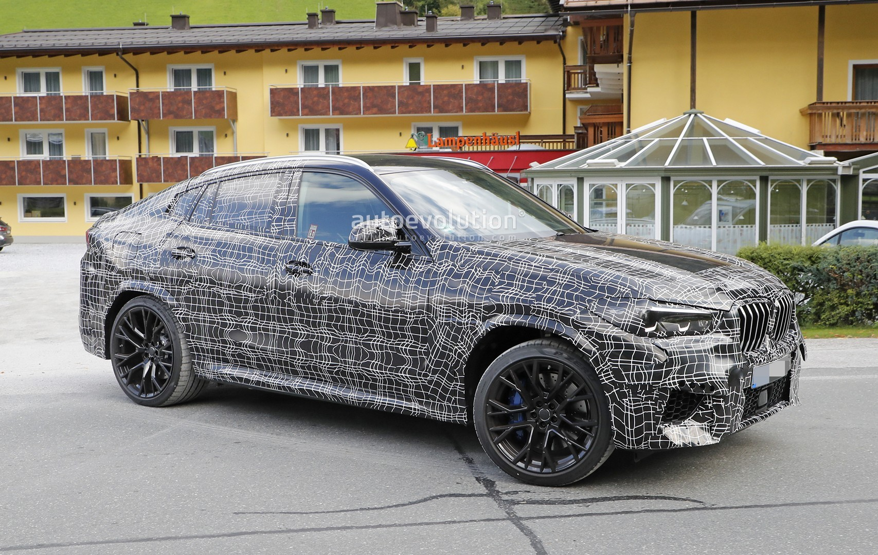 2020 Bmw X6 M Spied Up Close And Personal Autoevolution