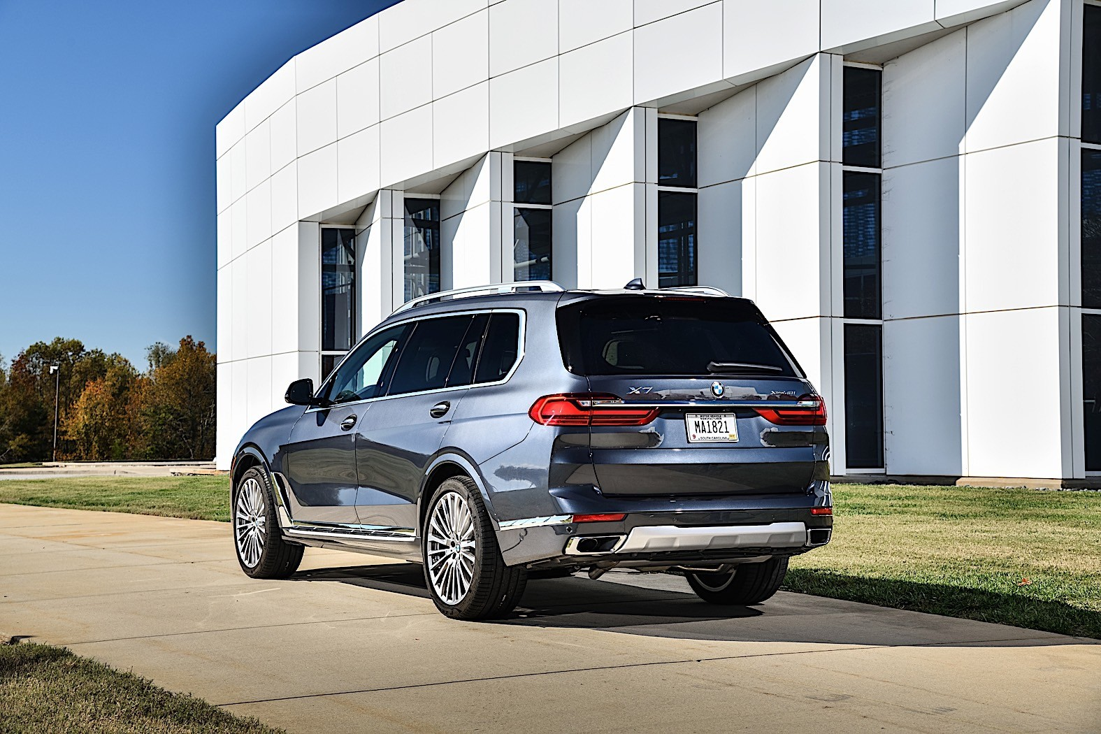 2020 BMW X7 Shows Up on the Road, Photographers Shoot Like ...