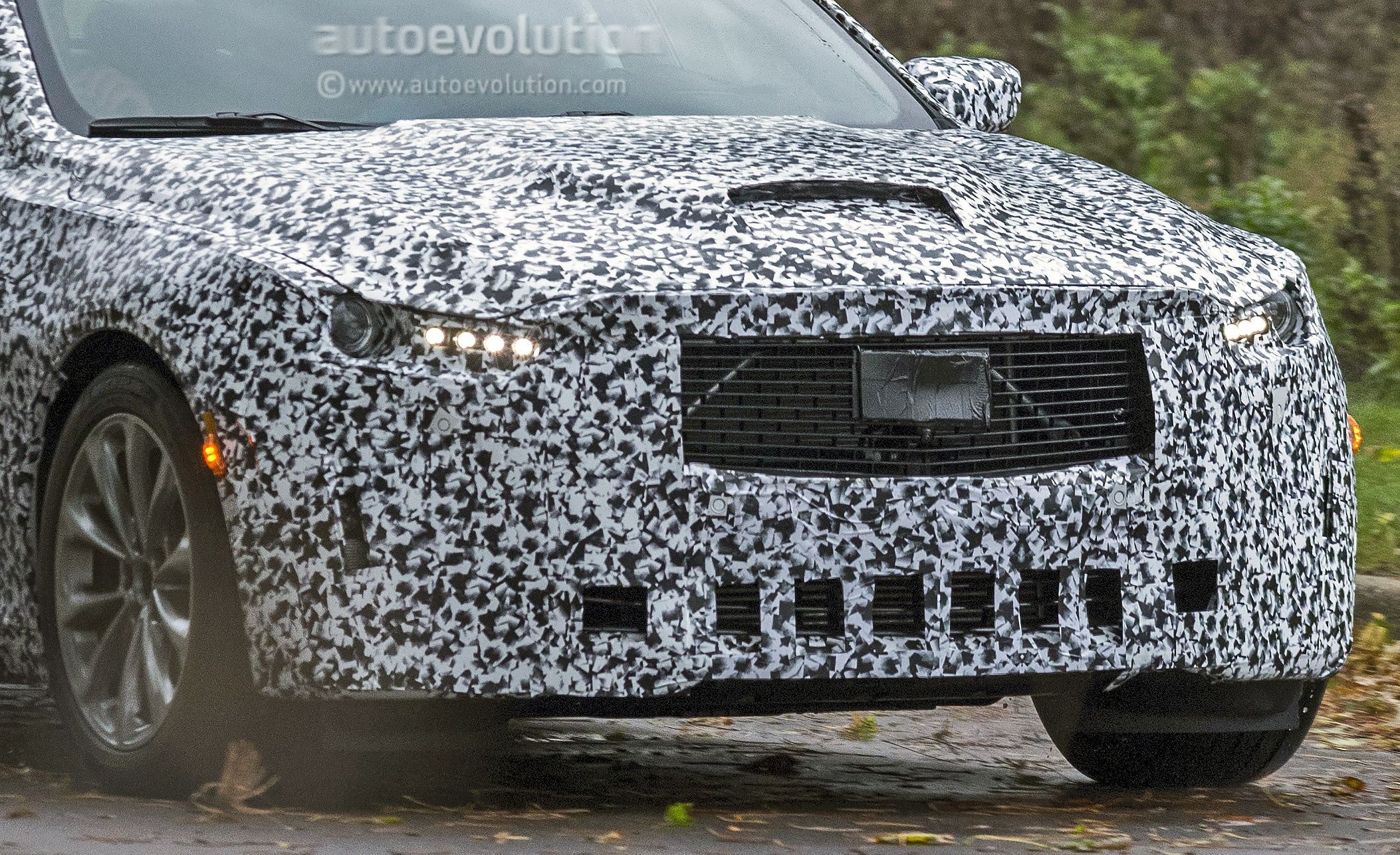 2020 Cadillac Ct5 Spied Will Replace The Cts Autoevolution