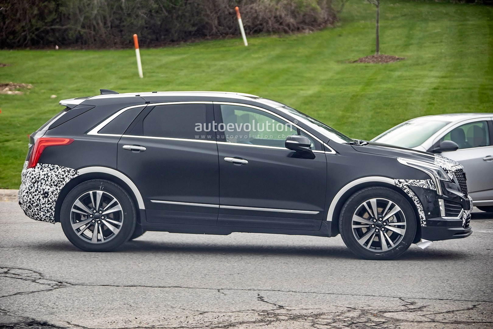 2020 Cadillac XT5: Refreshed, Changes, Release >> 2020 Cadillac Xt5 Spied With Very Subtle Refresh Autoevolution