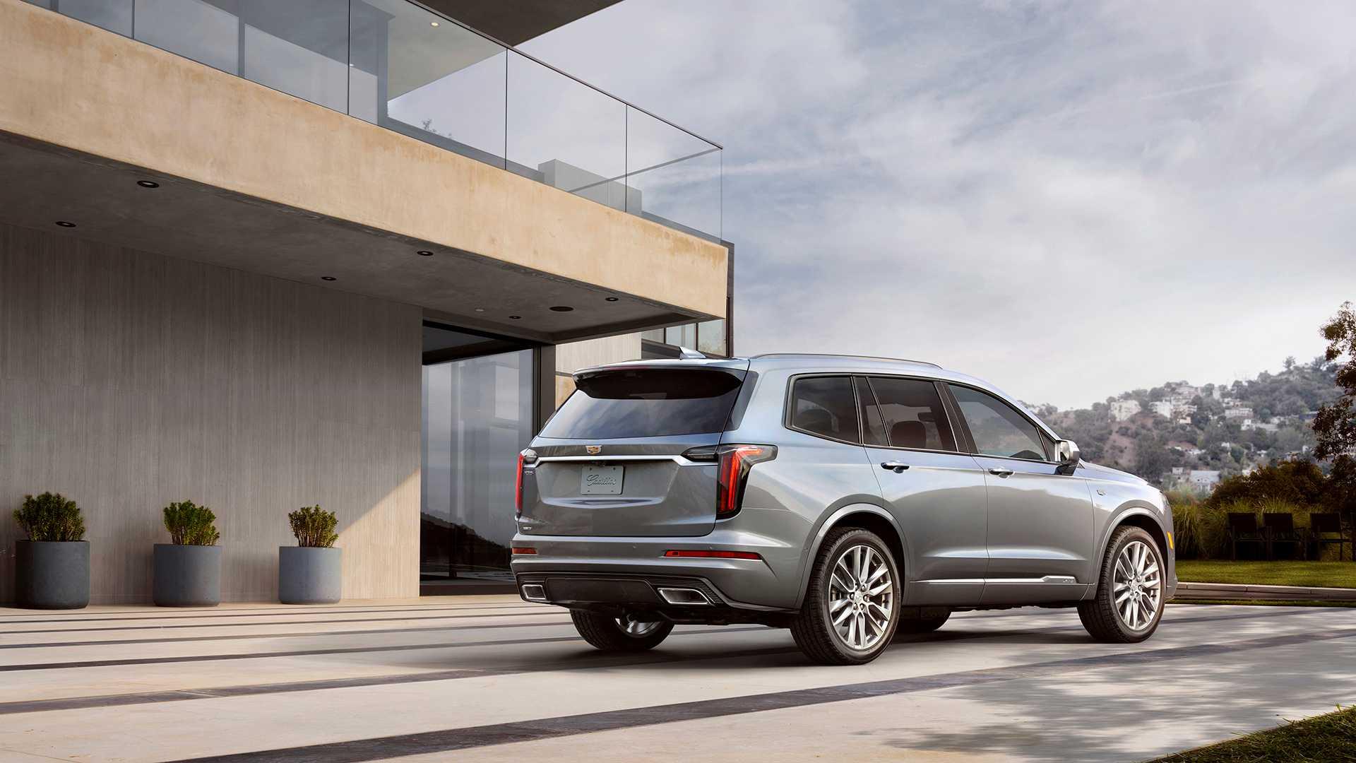 2020 Cadillac Xt6 Criticized Over Poor Build Quality Subpar