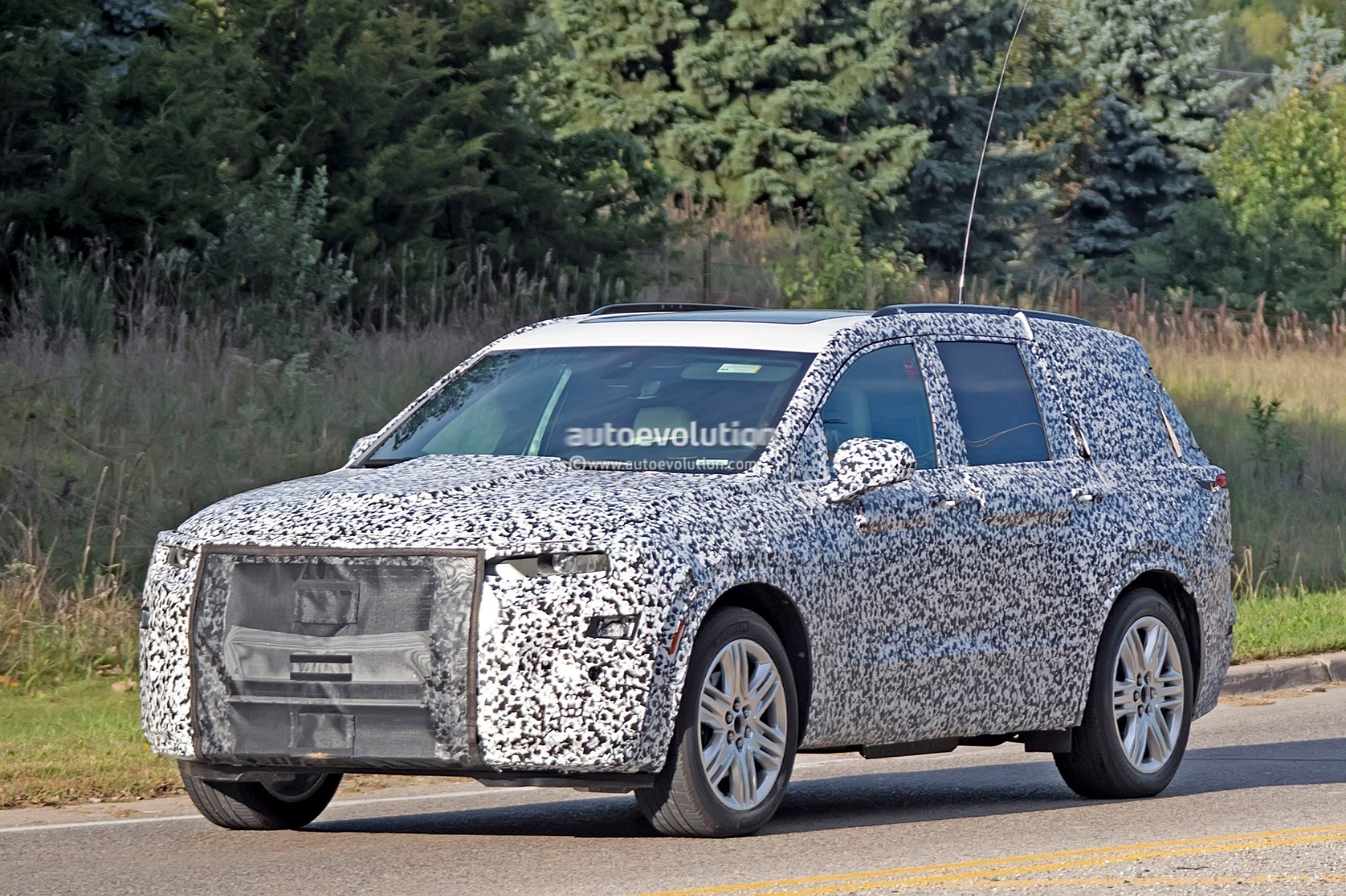 2019 - [Cadillac] XT6 2020-cadillac-xt6-spied-with-seating-for-seven-people_5