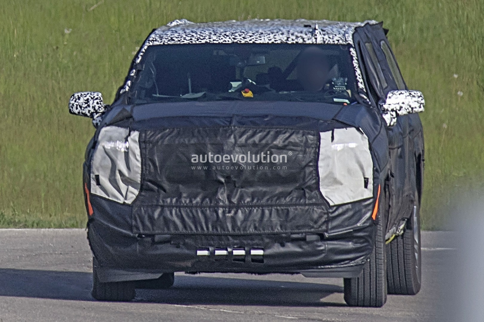 2020 Chevy Suburban Spyshots Reveal New Independent Rear ...