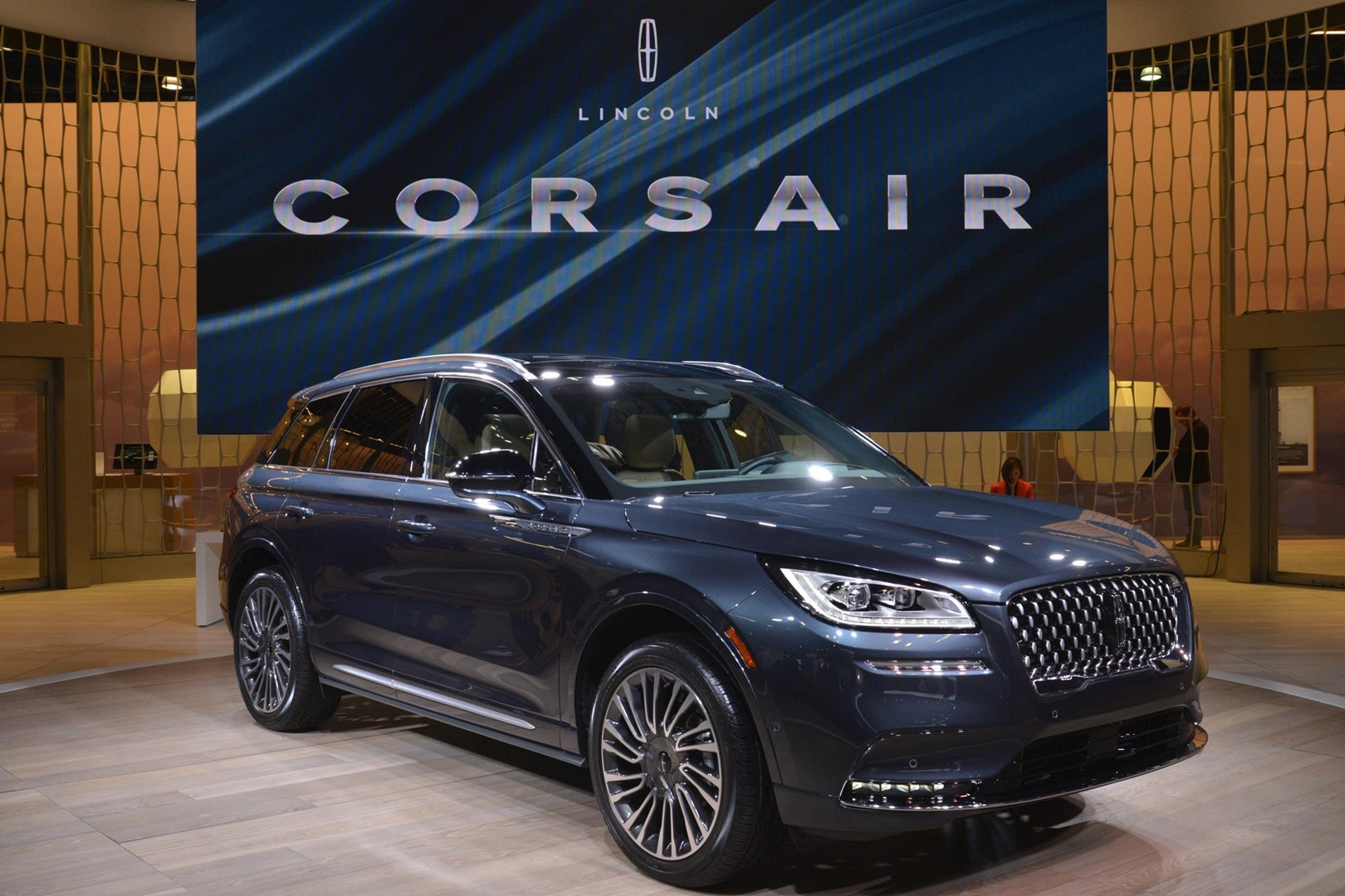 2020 Corsair Debuts As Lincoln S Smallest Suv Shares New Ford