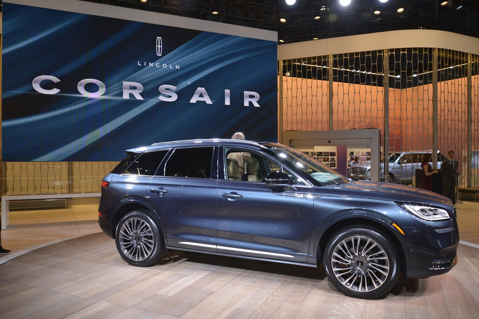 2020 Corsair Debuts as Lincoln's Smallest SUV, Shares New ...