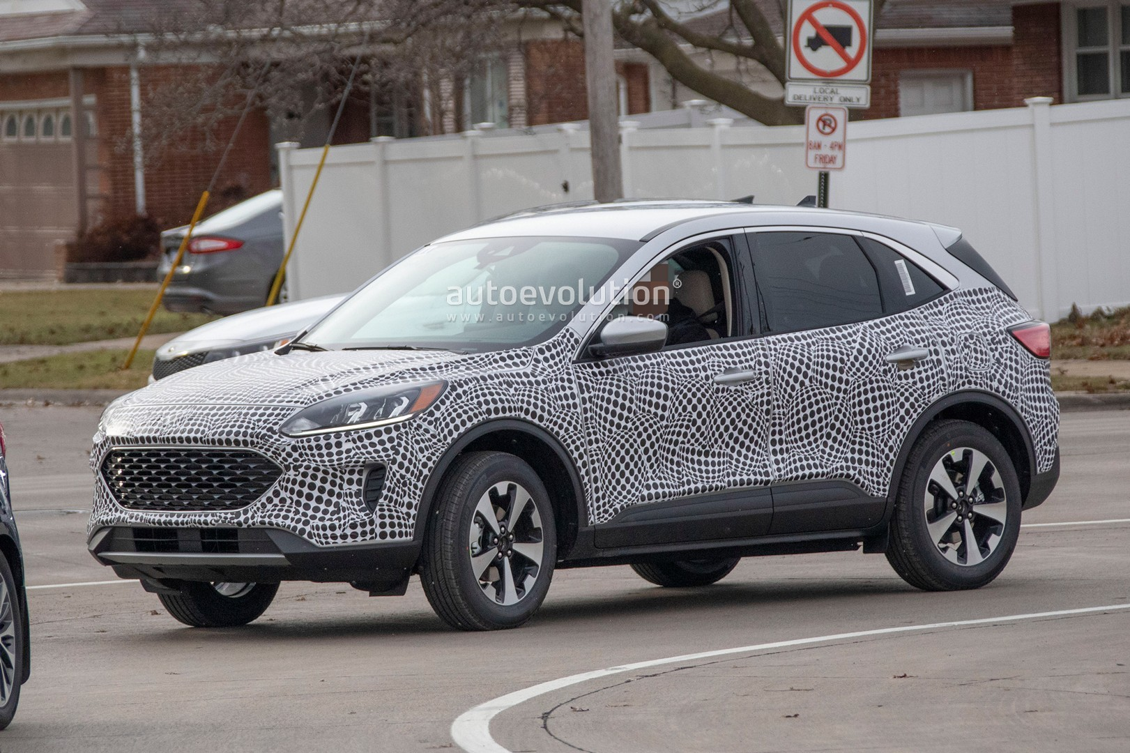 2020 Ford Kuga Hybrid Specs And Release Date >> 2020 Ford Escape Kuga Spied With Production Body Is A Like Jaguar