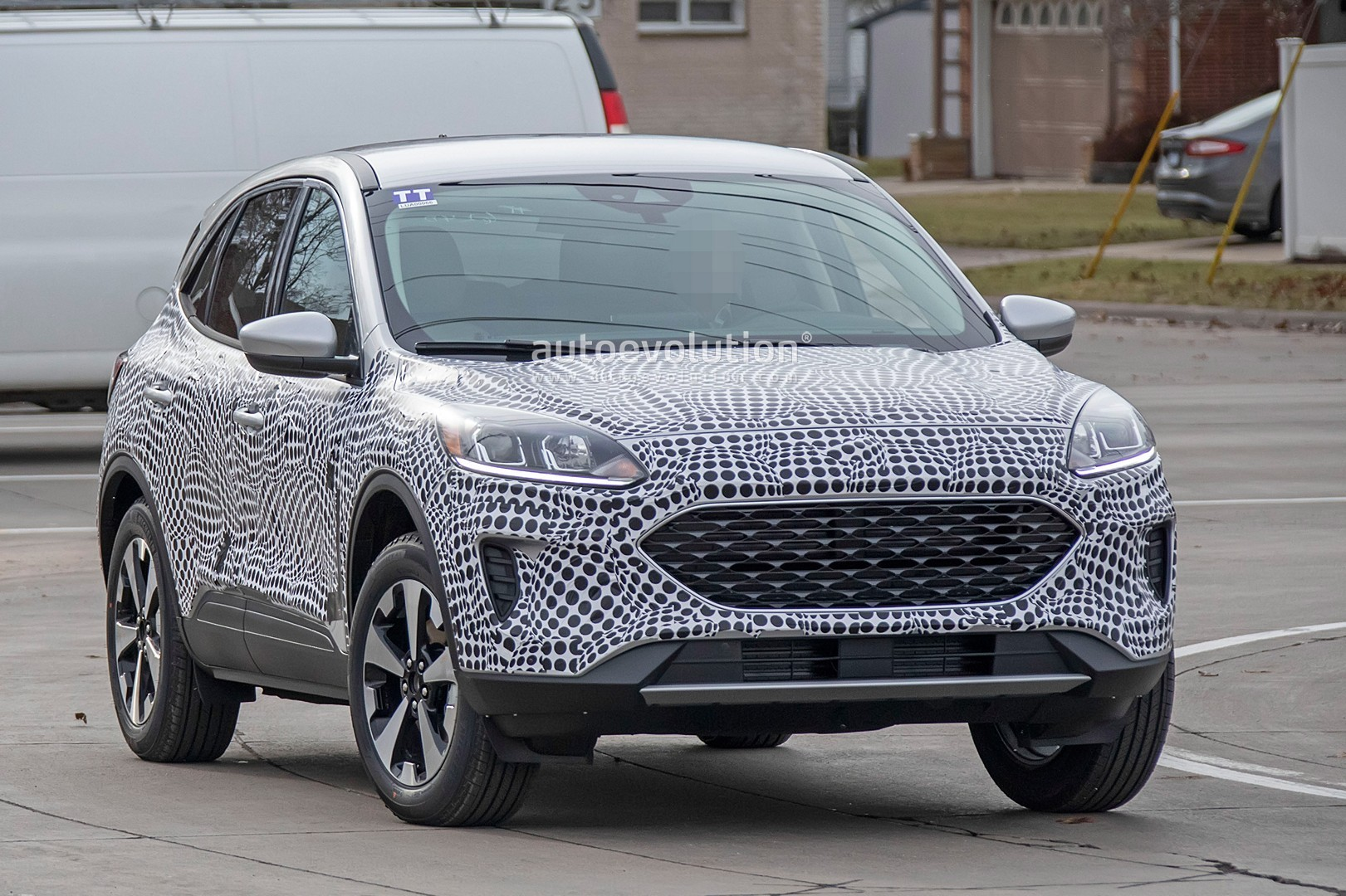 2020 Ford Escape / Kuga Spied With Production Body, Is a Like Jaguar-Focus Combo - autoevolution
