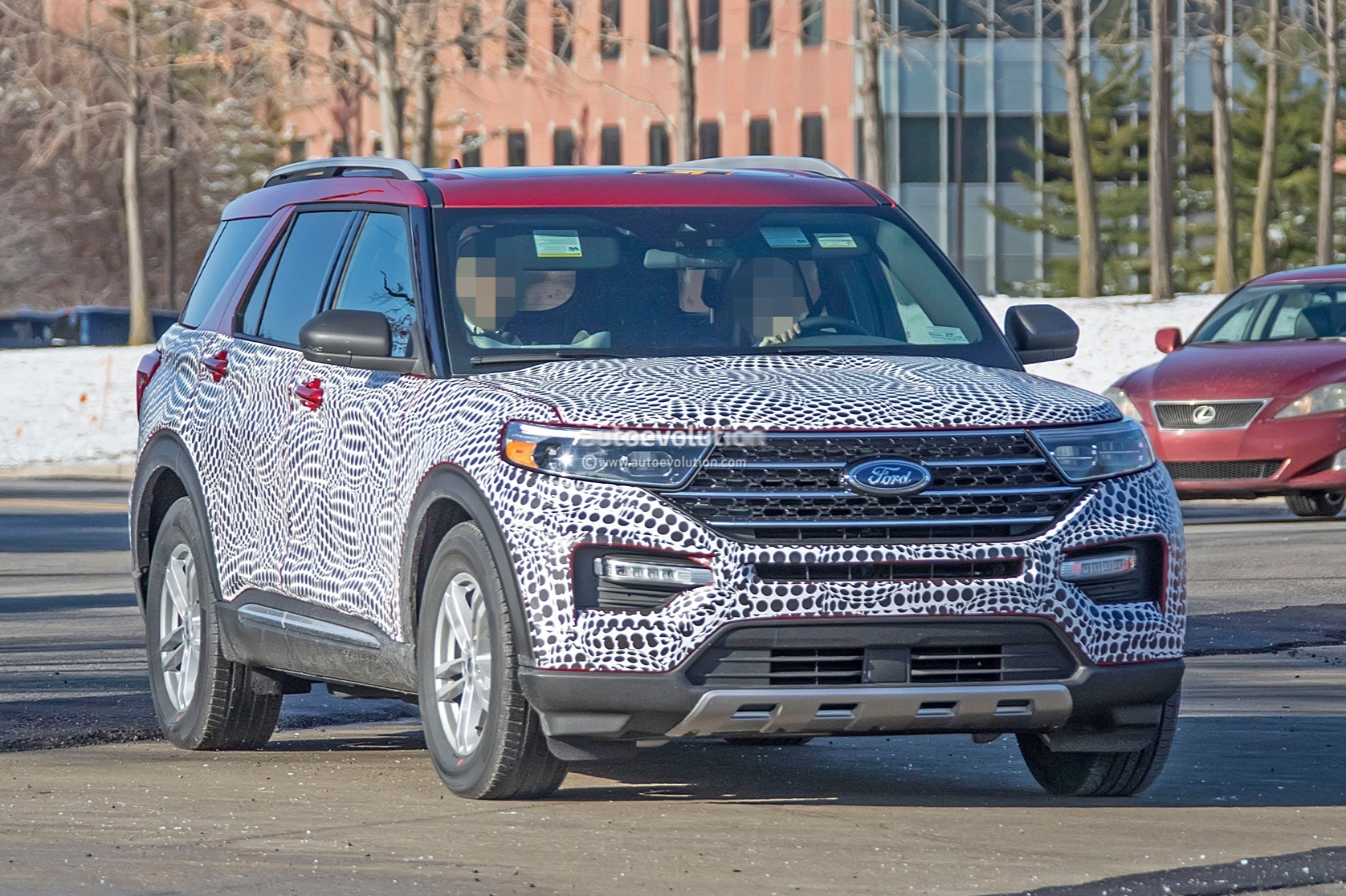 2020 Ford Explorer Looks Plasticky In Most Revealing Spy Photos Yet - autoevolution