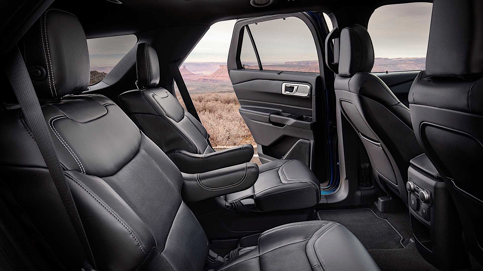 2020 Ford Explorer ST Comes into the World as the Most ...
