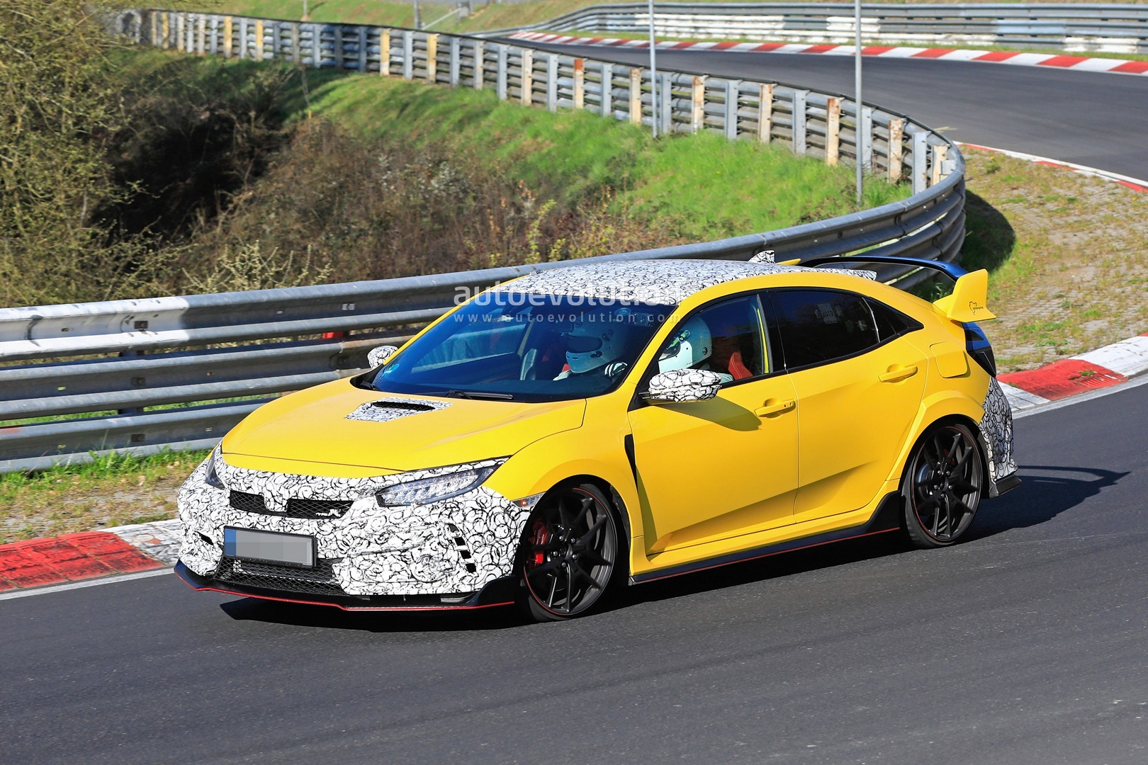 2020 Honda Civic Type R Prototypes Spied At The Nurburgring Autoevolution