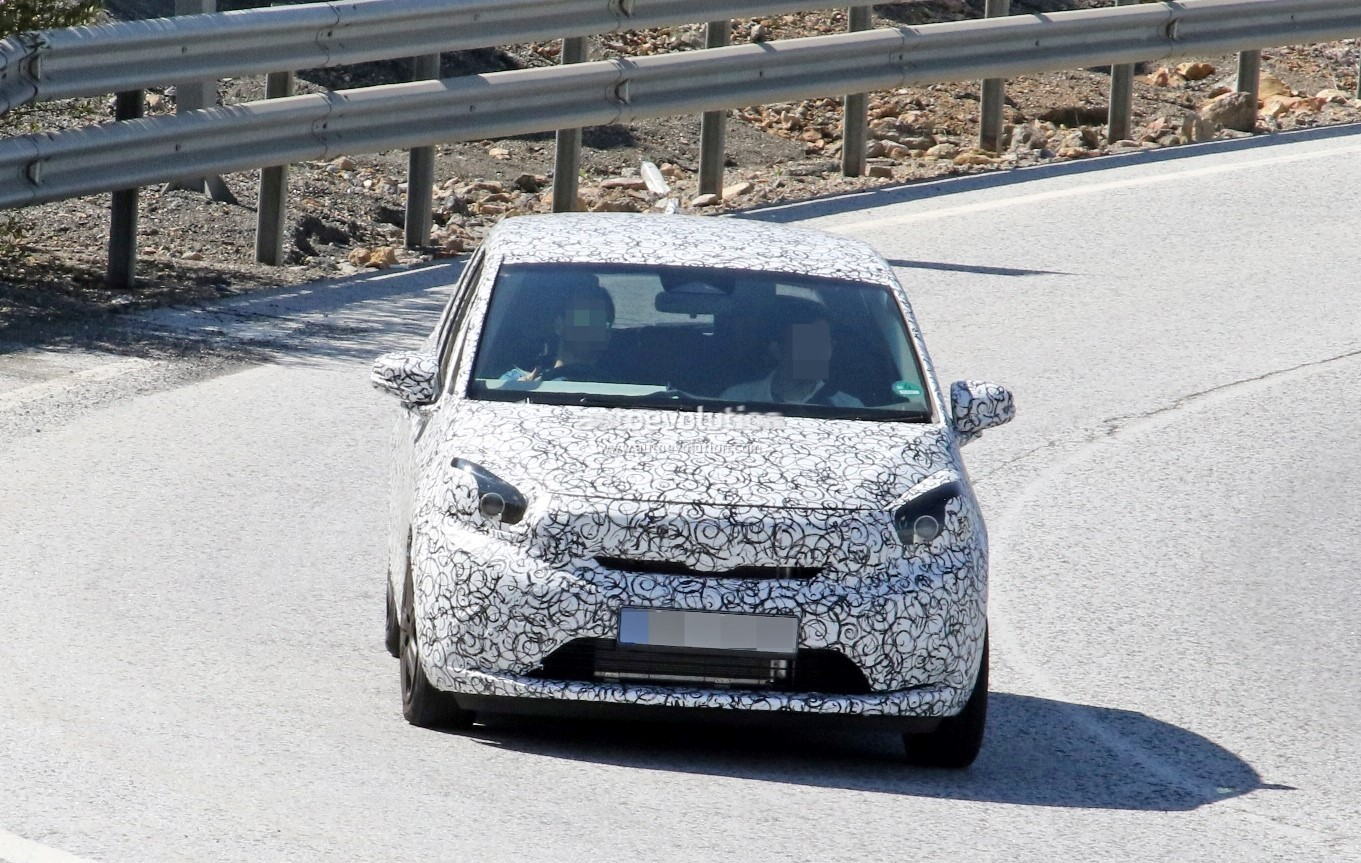 2020 Honda Jazz Fit Spied With Production Bodywork Autoevolution