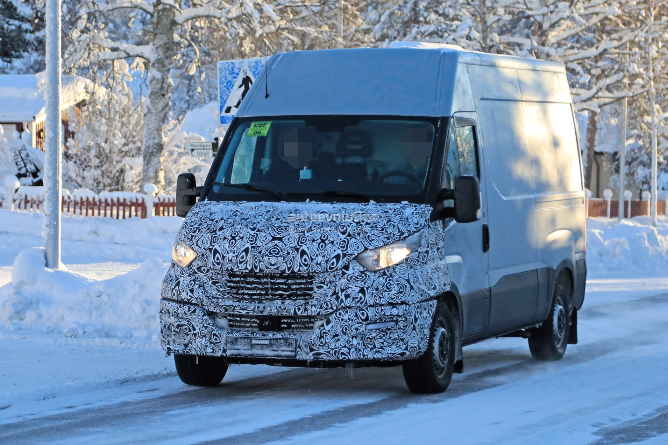 2014 - [Iveco] Daily - Page 4 2020-iveco-daily-features-redesigned-front-fascia_2