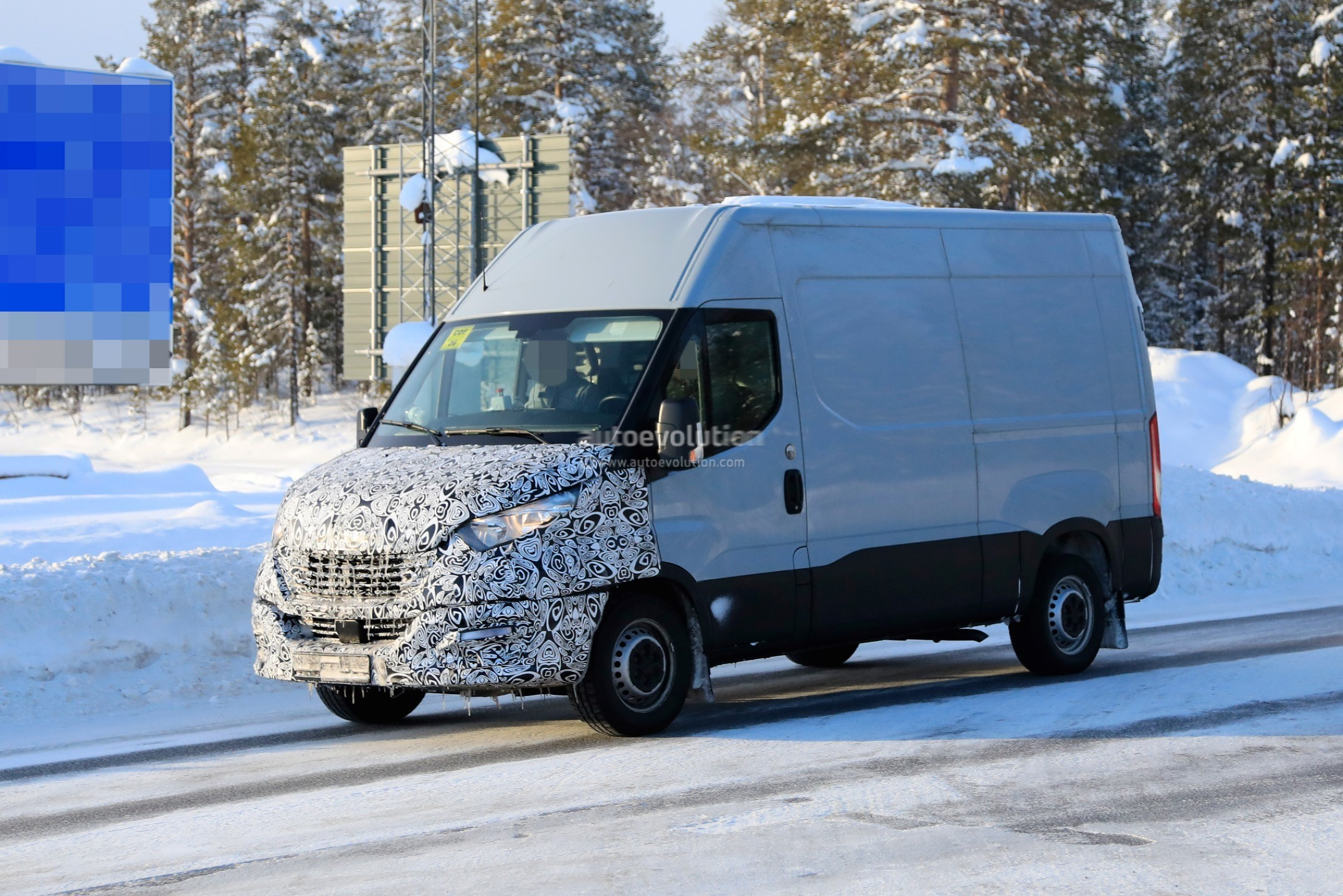 2020 Iveco Daily Features Redesigned Front Fascia