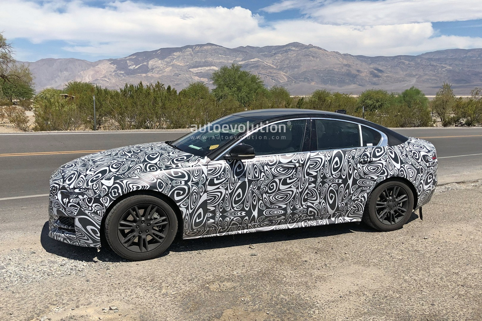 2020 Jaguar Xe Facelift Spied Testing In The Heat Autoevolution