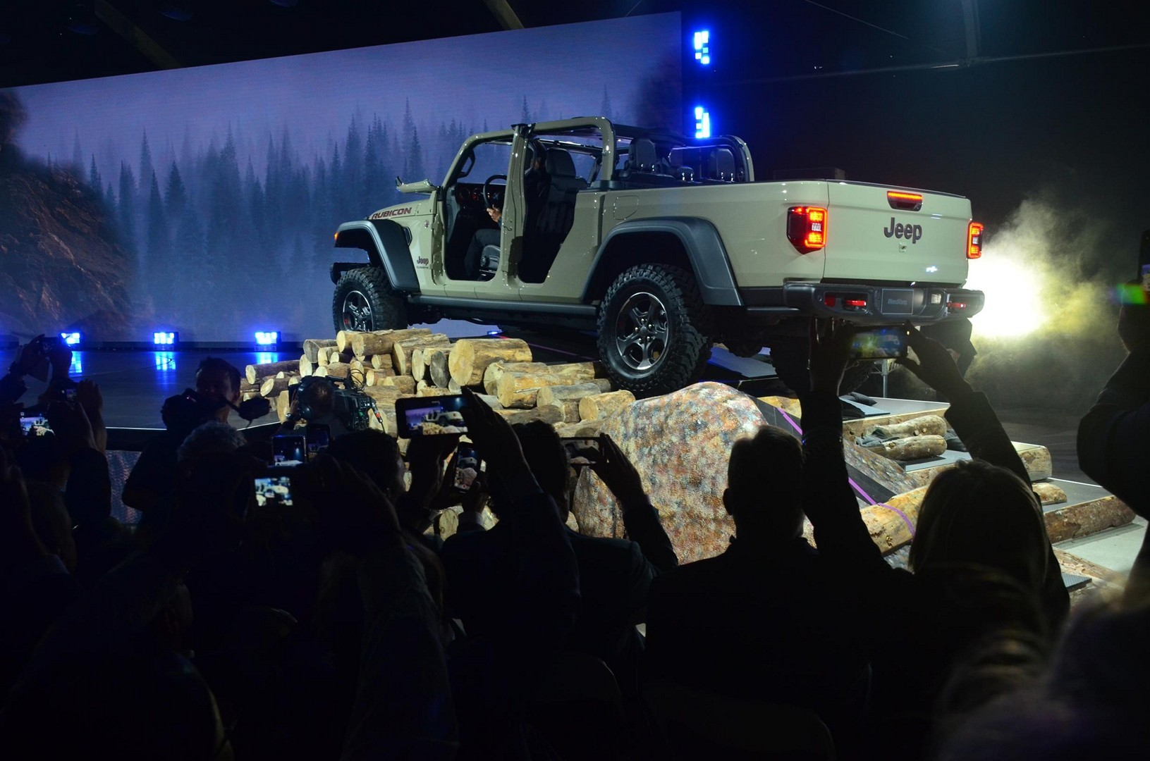 2020 Jeep Gladiator Looks Impressive At The La Auto Show