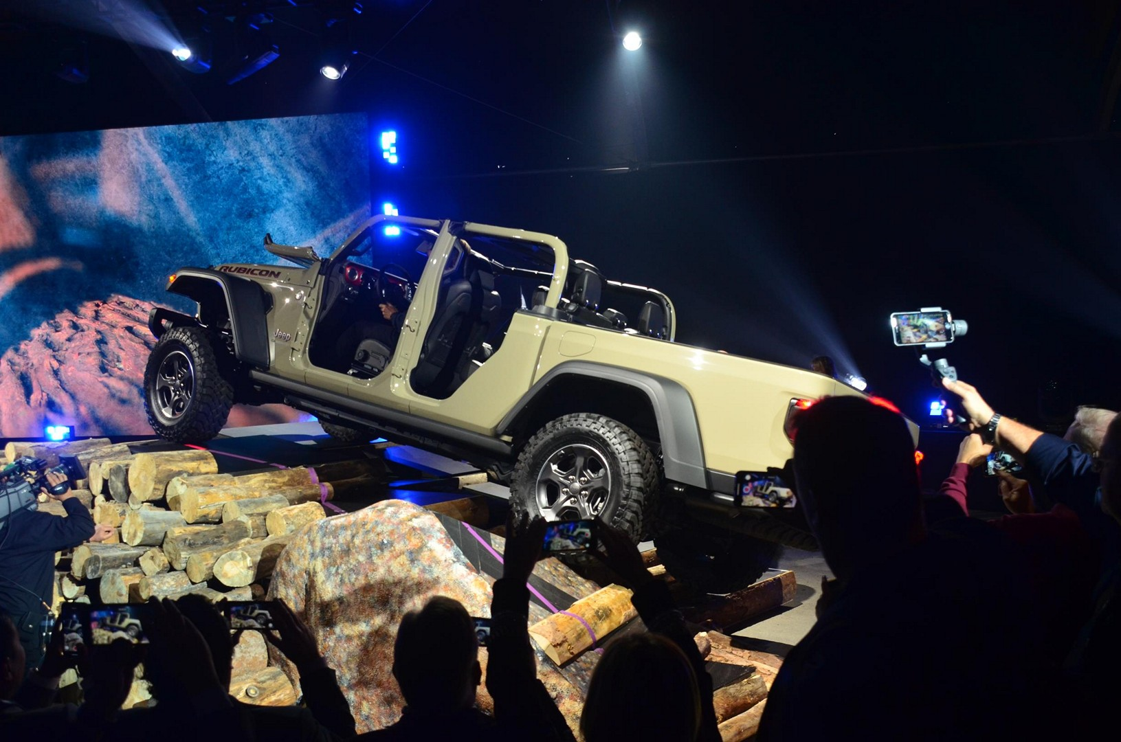 2020 Jeep Gladiator Looks Impressive At The La Auto Show
