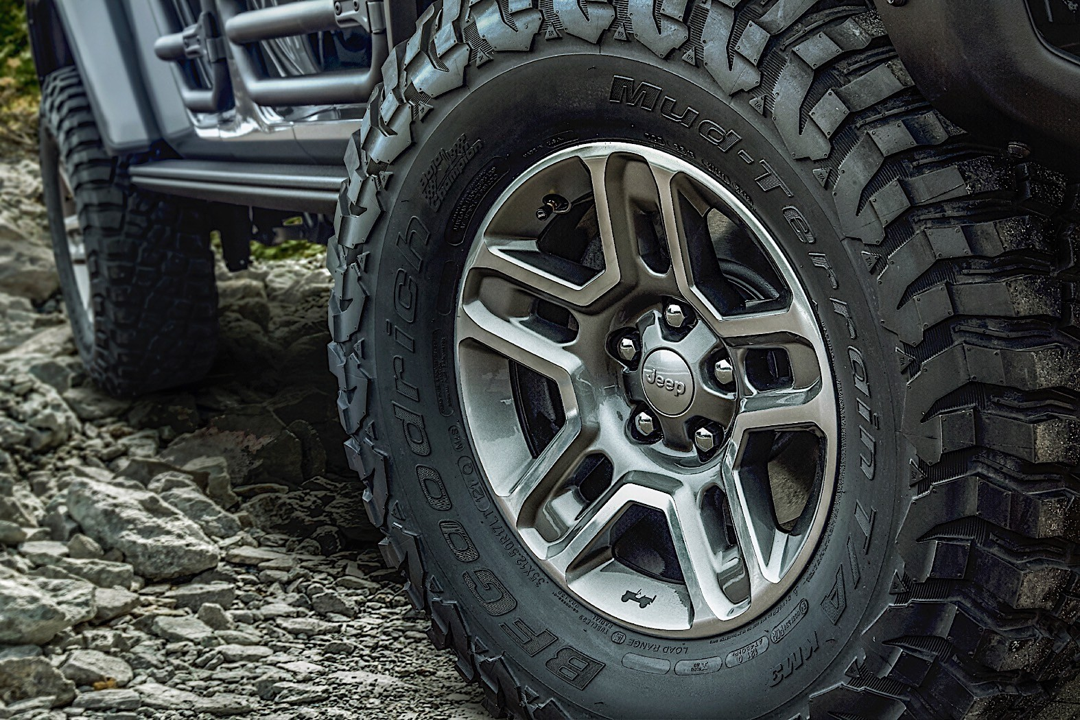 Jeep Gladiator Weaponized By Mopar In Los Angeles besides Jeep Grand Cherokee Srt further Belaz moreover Ford Everest High Resolution together with Hqdefault. on 2019 jeep grand cherokee