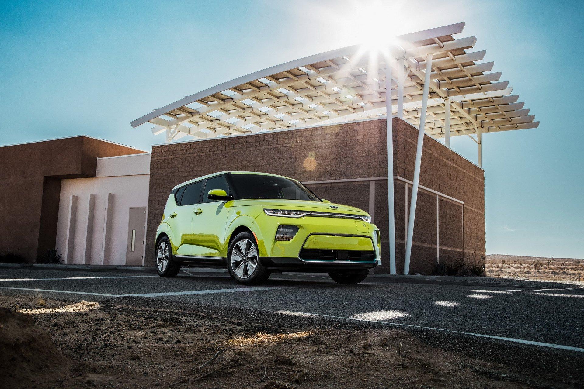2020 Kia Soul EV Shocks LA With 64 kWh Battery and Acid Paint