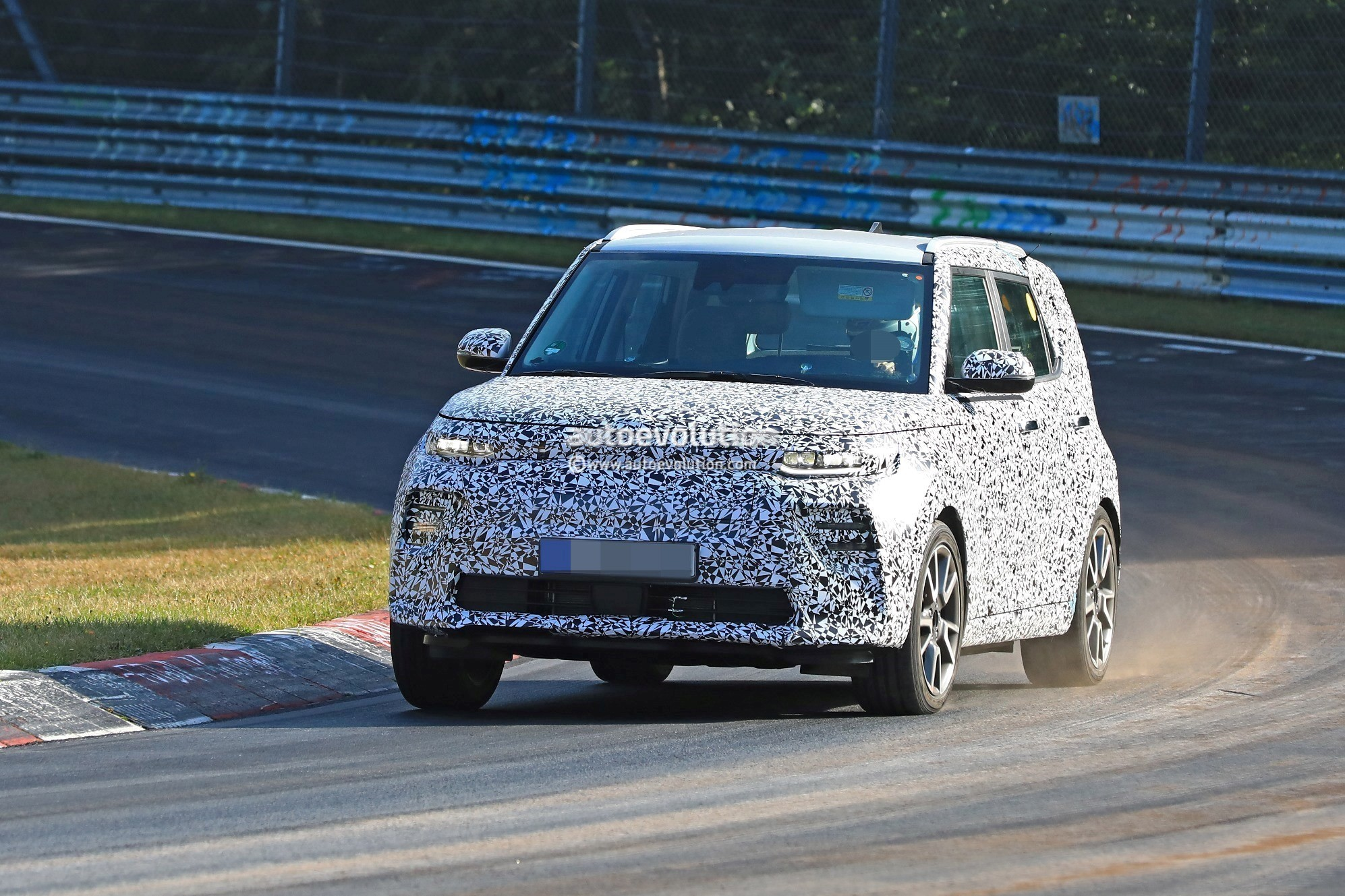 2020 kia soul ev spied at the nurburgring with fullled