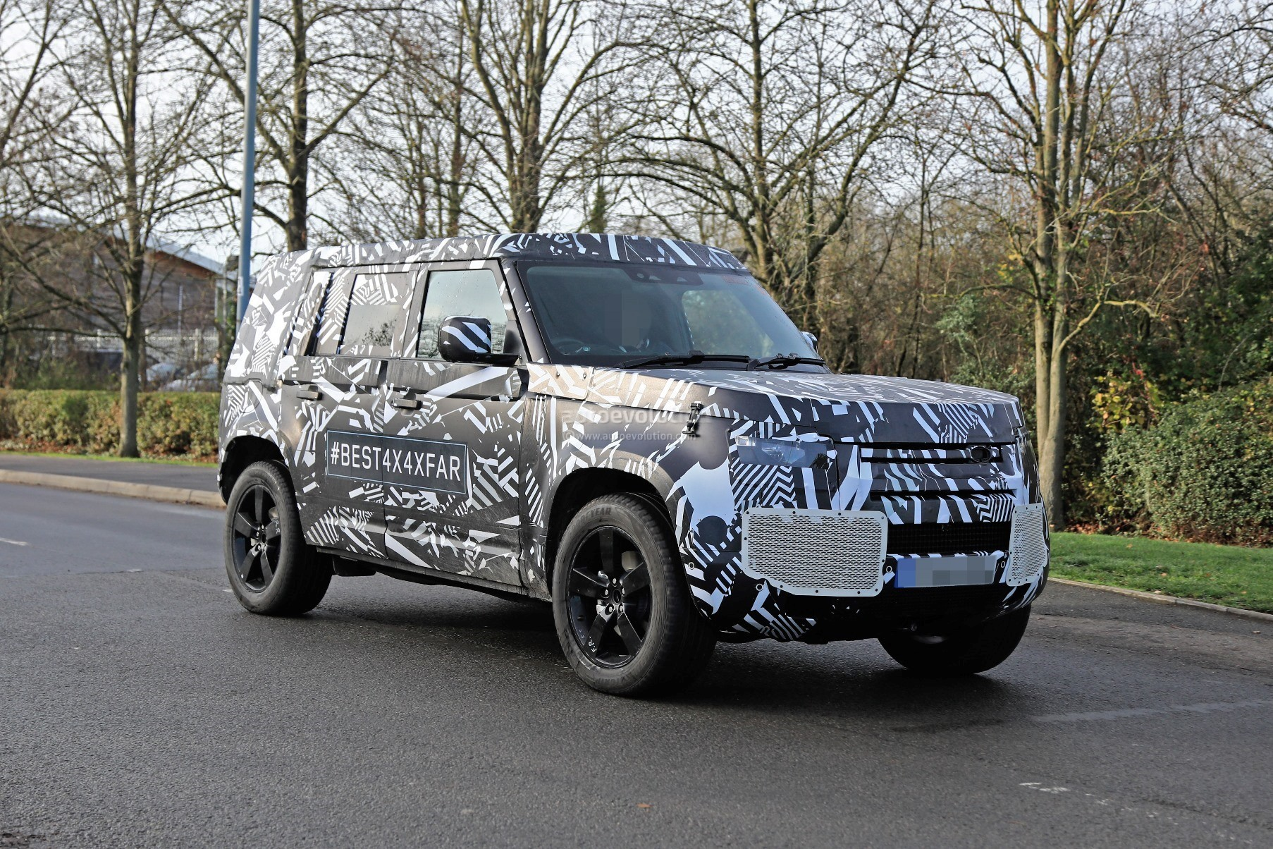 2020 Land Rover Defender Spied, Transitions To Unibody ...