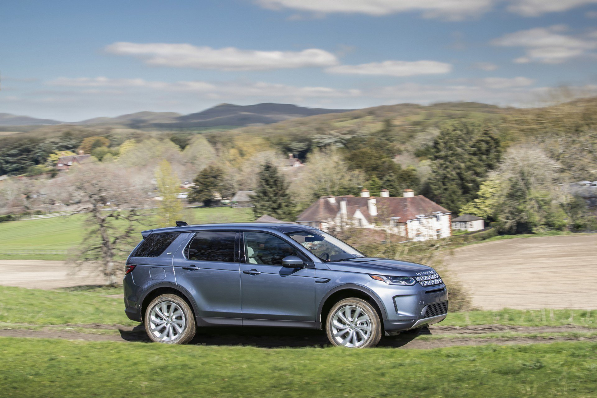 2020 Land Rover Discovery Sport Gets Mild-Hybrid System ...