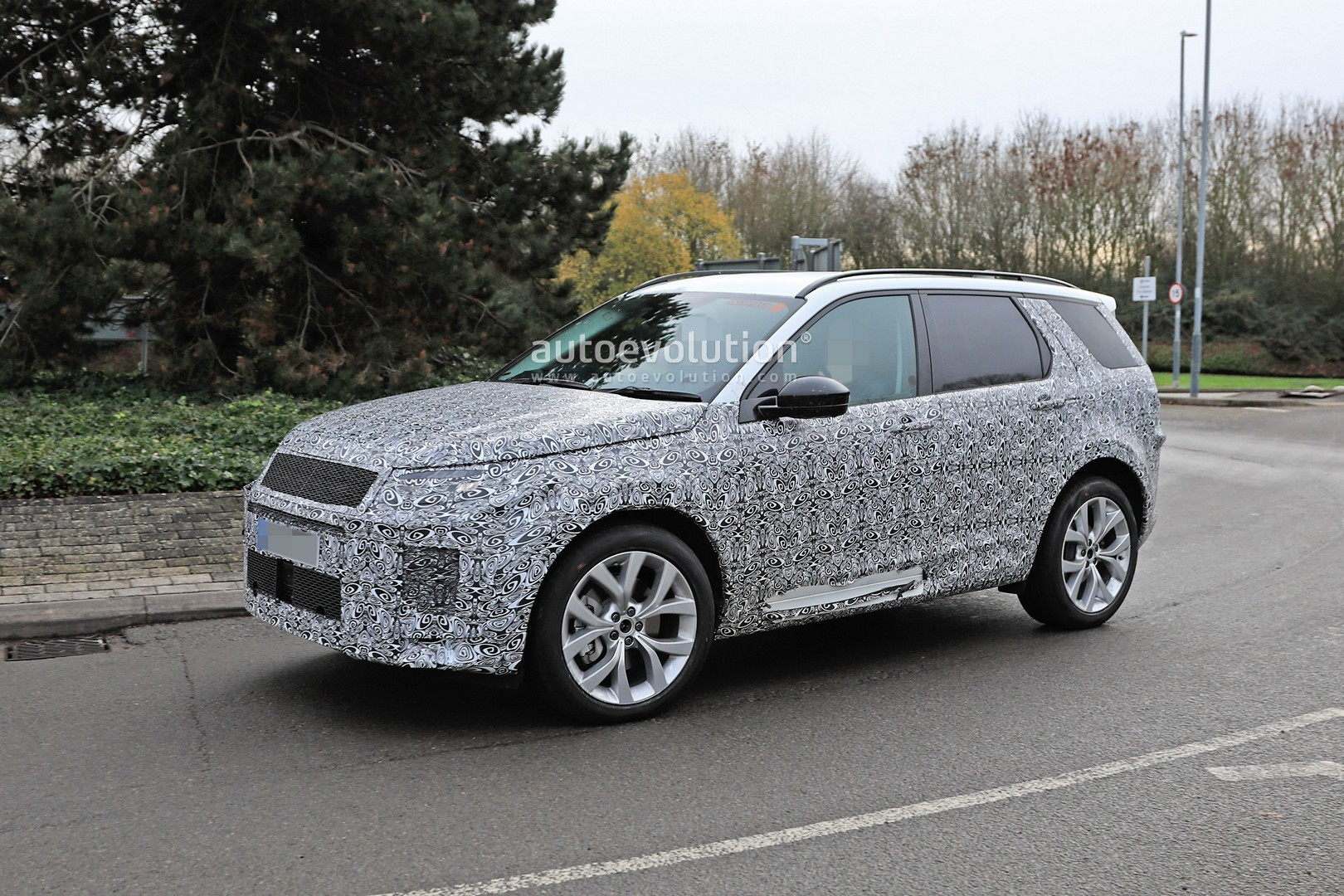 2020 Land Rover Discovery Sport Spied In Uk With Full