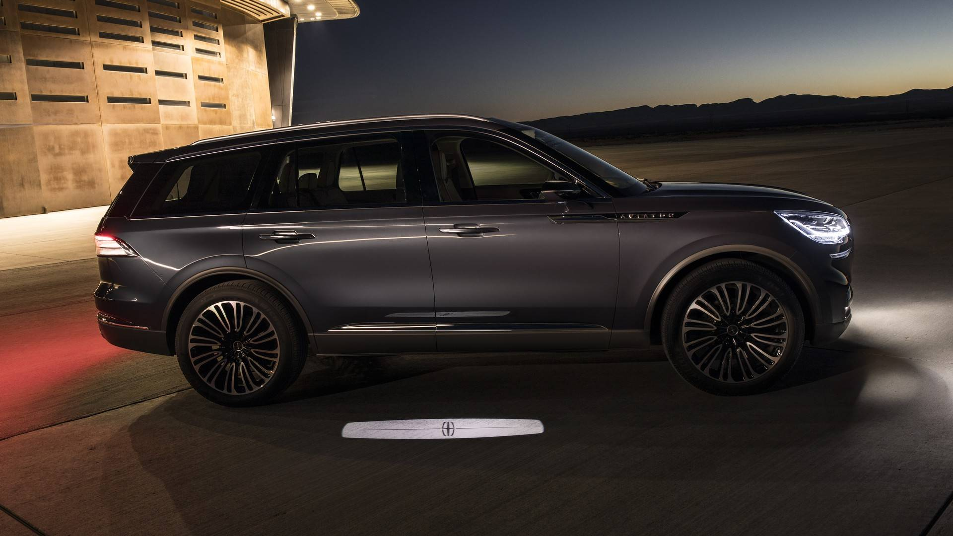 2020 Lincoln Aviator Concept Goes Plug In Hybrid At New