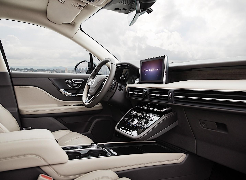 2020 Lincoln Corsair Hits Small Luxury SUV Segment with Aviator Cues - autoevolution