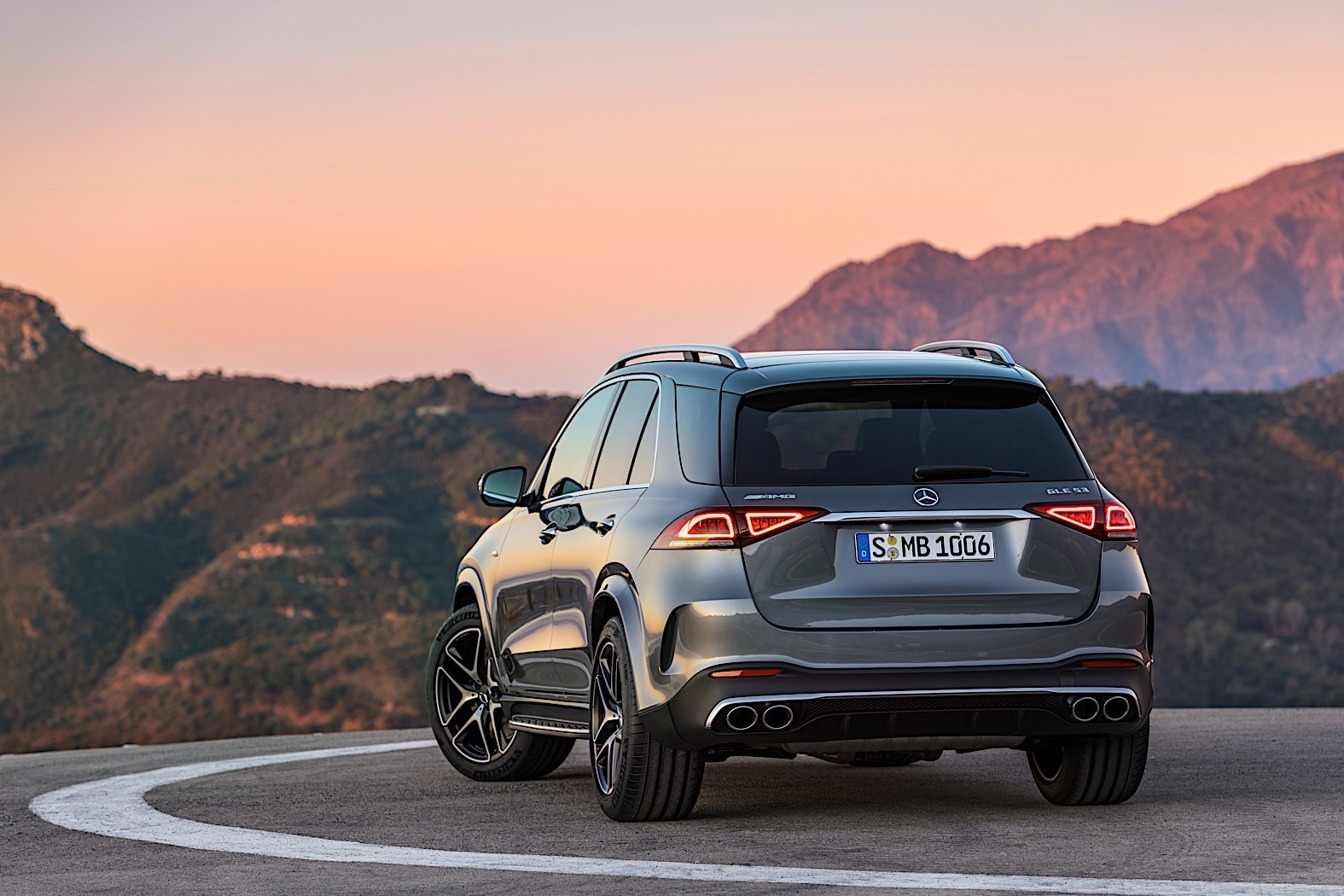 2020 Mercedes-AMG GLE 53 Revealed as 435 HP Seven Seater ...