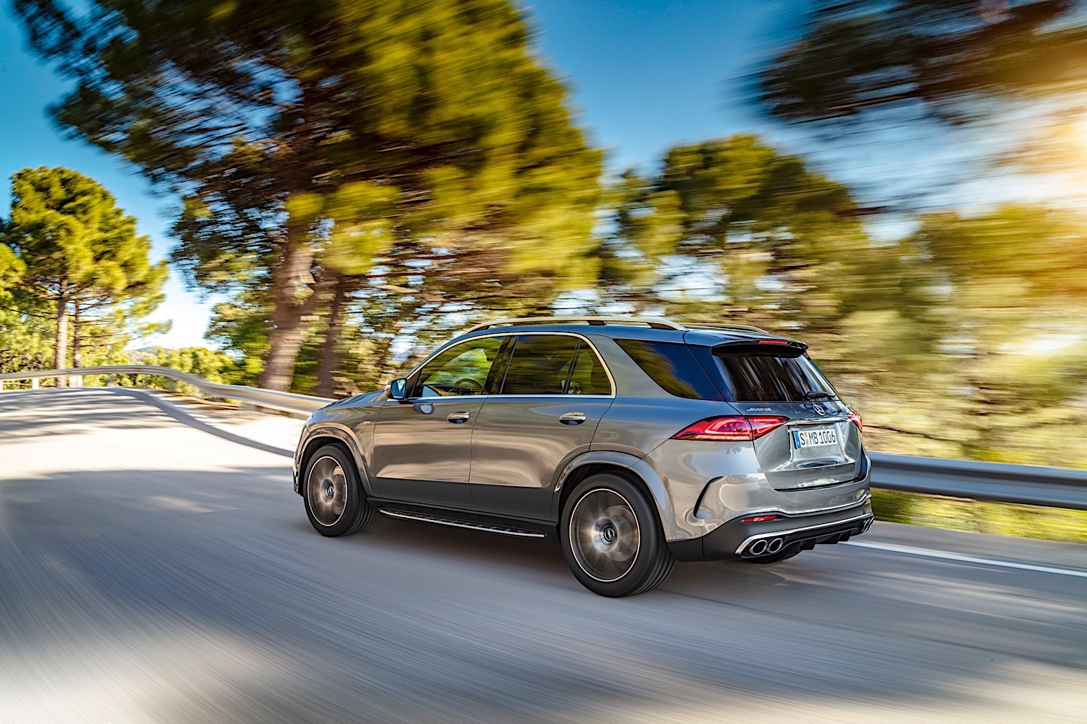 2020 Mercedes Amg Gle 53 Revealed As 435 Hp Seven Seater With Eq Boost Autoevolution