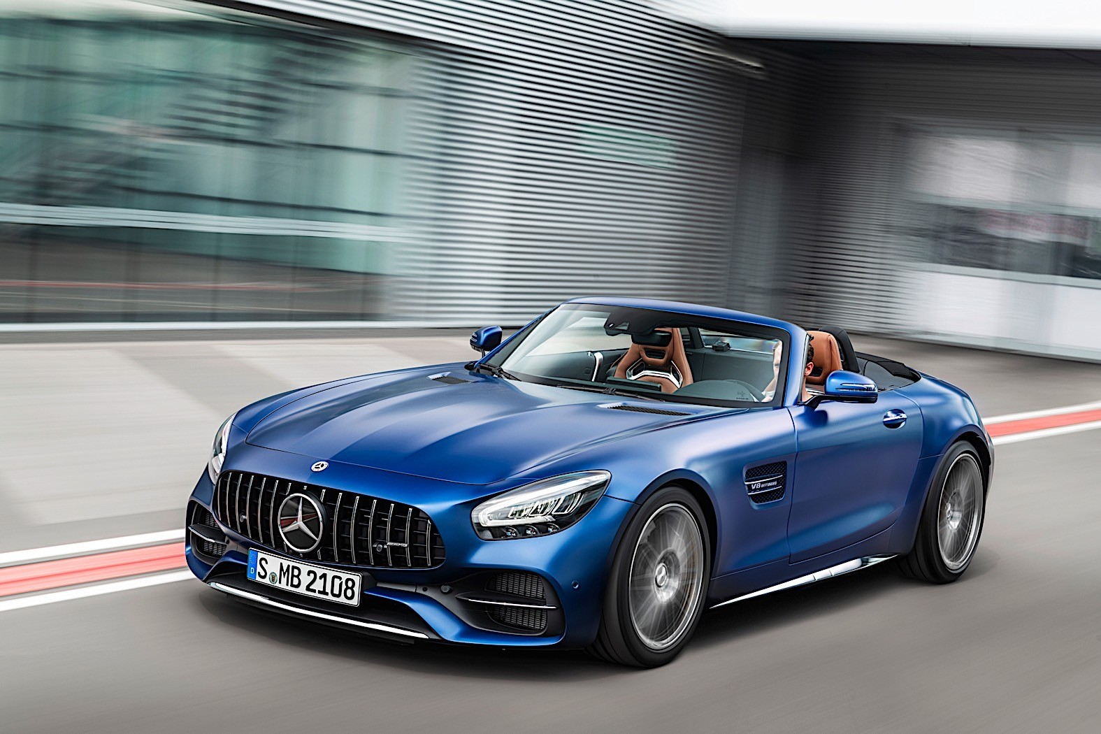 2020 mercedes amg gt lineup gets redesign and tech. Black Bedroom Furniture Sets. Home Design Ideas