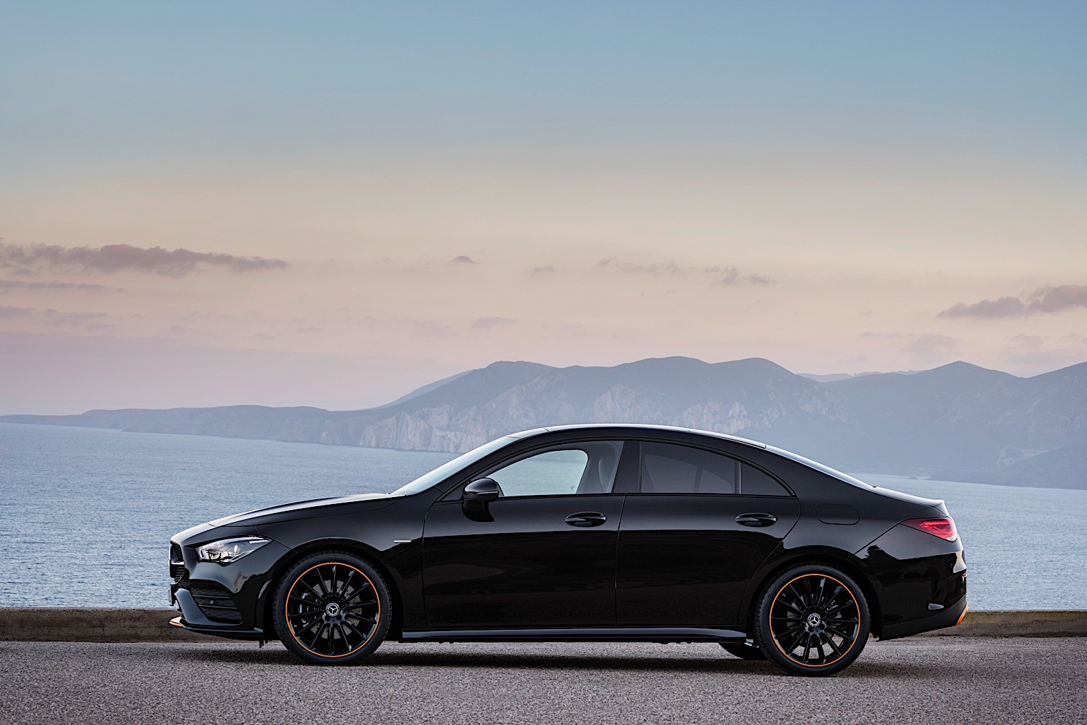2020 Mercedes-Benz CLA Coupe Unveiled at CES 2019 New MBUX and Garmin Smartwatch - autoevolution