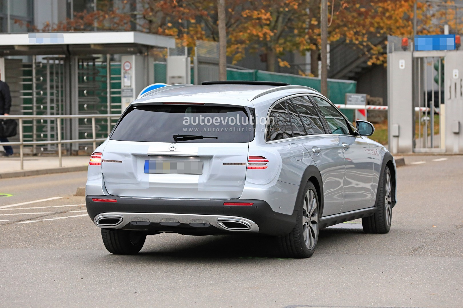 2020 Mercedes-Benz E-Class Spied, Is Getting a New Face ...