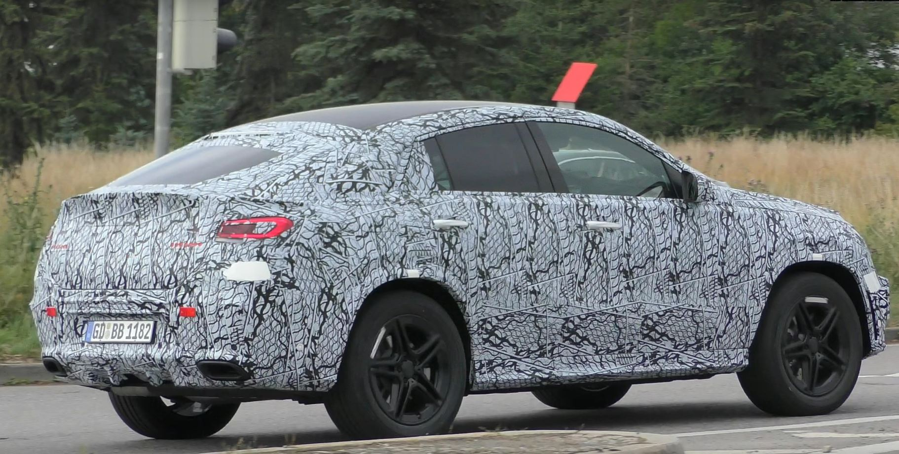 2020 Mercedes Gle Coupe Spied From The Front Autoevolution