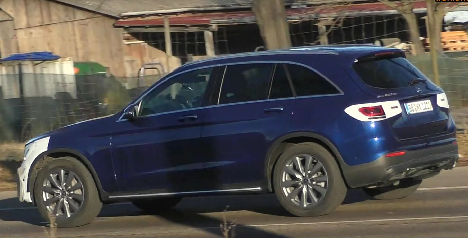 2020 Mercedes Gls Glc Facelift And Glb Show Up In The Same Spy