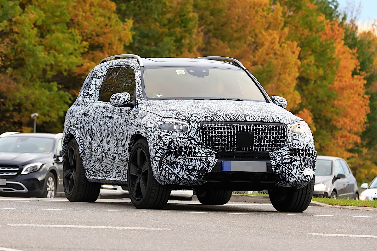 New Mercedes Suv >> 2020 Mercedes-Maybach GLS Meets Mercedes-Benz GLS in Rare ...