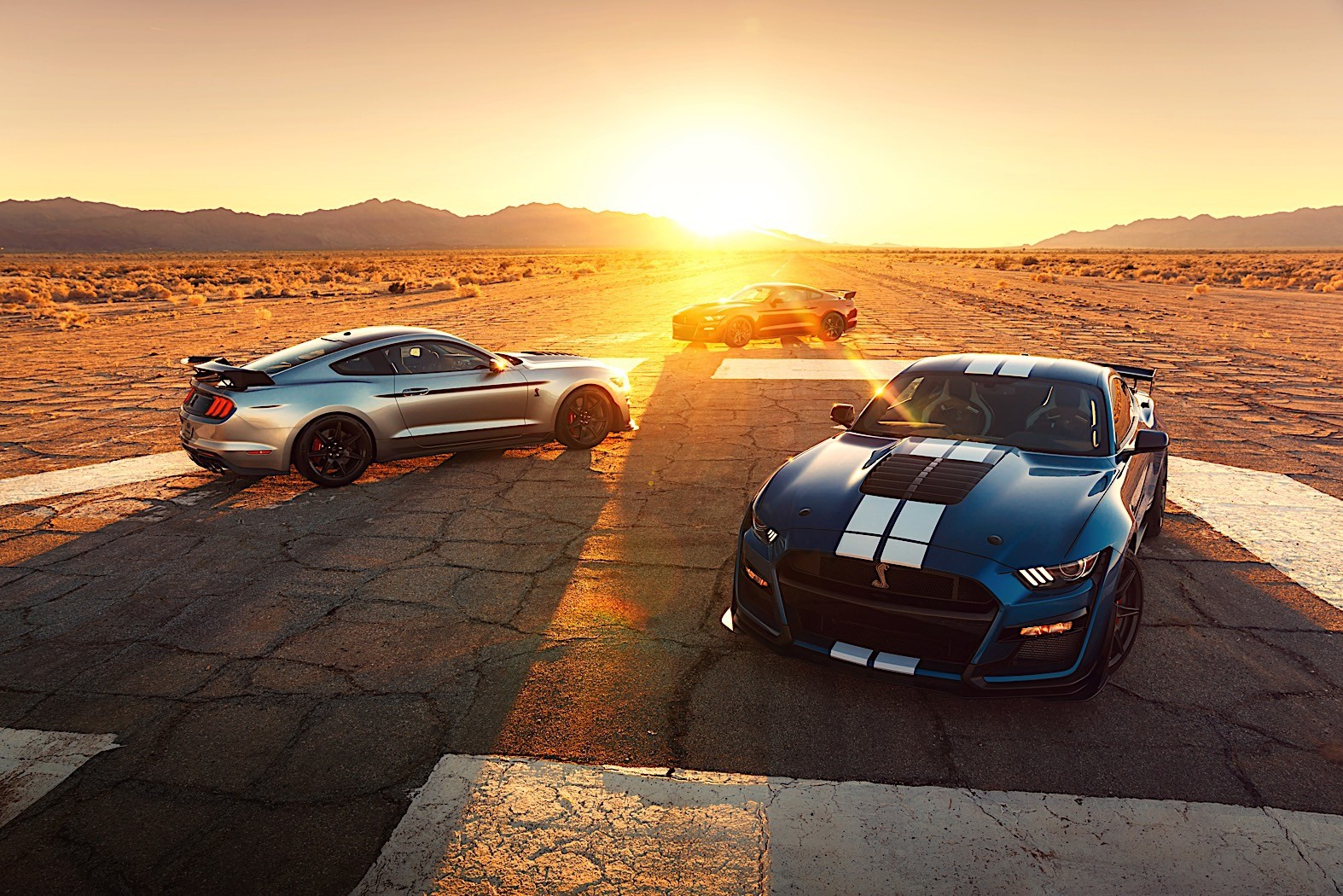 2020 mustang shelby gt500 hear the mighty roar of the most powerful ford ever autoevolution. Black Bedroom Furniture Sets. Home Design Ideas