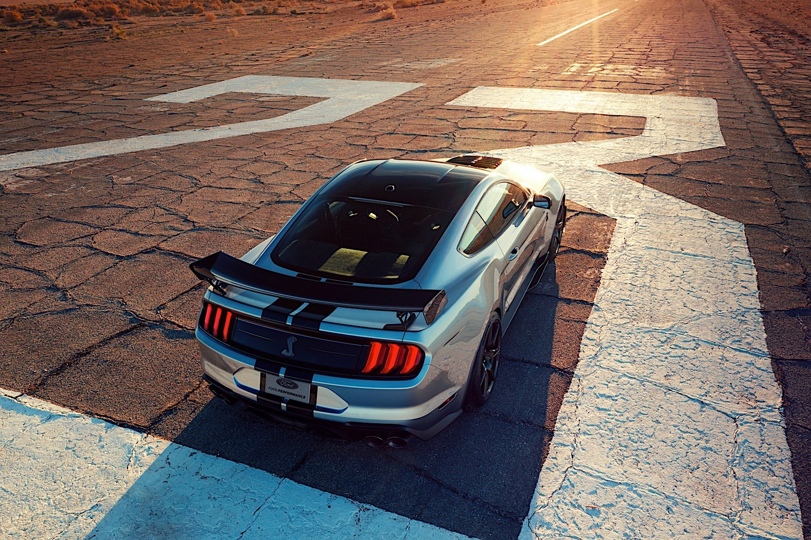 2020 Mustang Shelby GT500: Hear the Mighty Roar of the Most Powerful Ford Ever - autoevolution