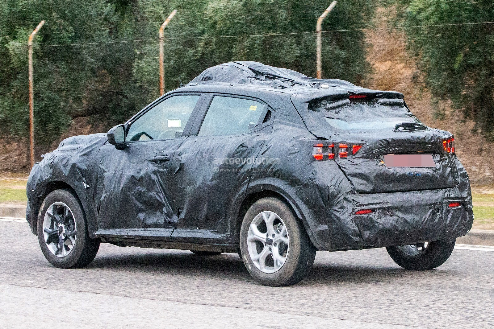 2020 Nissan Juke Spied In Europe Wrapped In A Lot Of ...