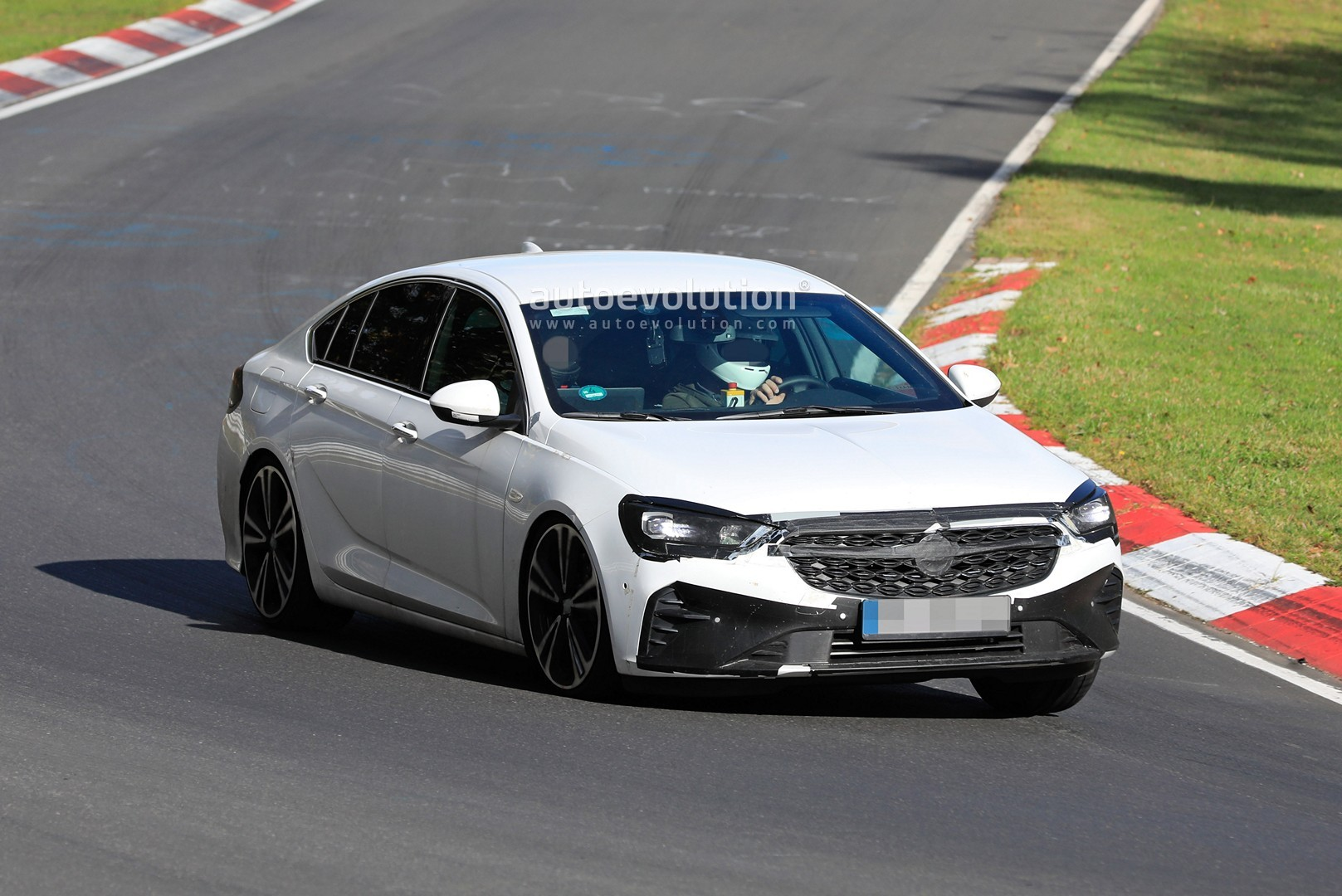 2020 Opel Insignia Spied at the Nurburgring, Looks a Bit ...