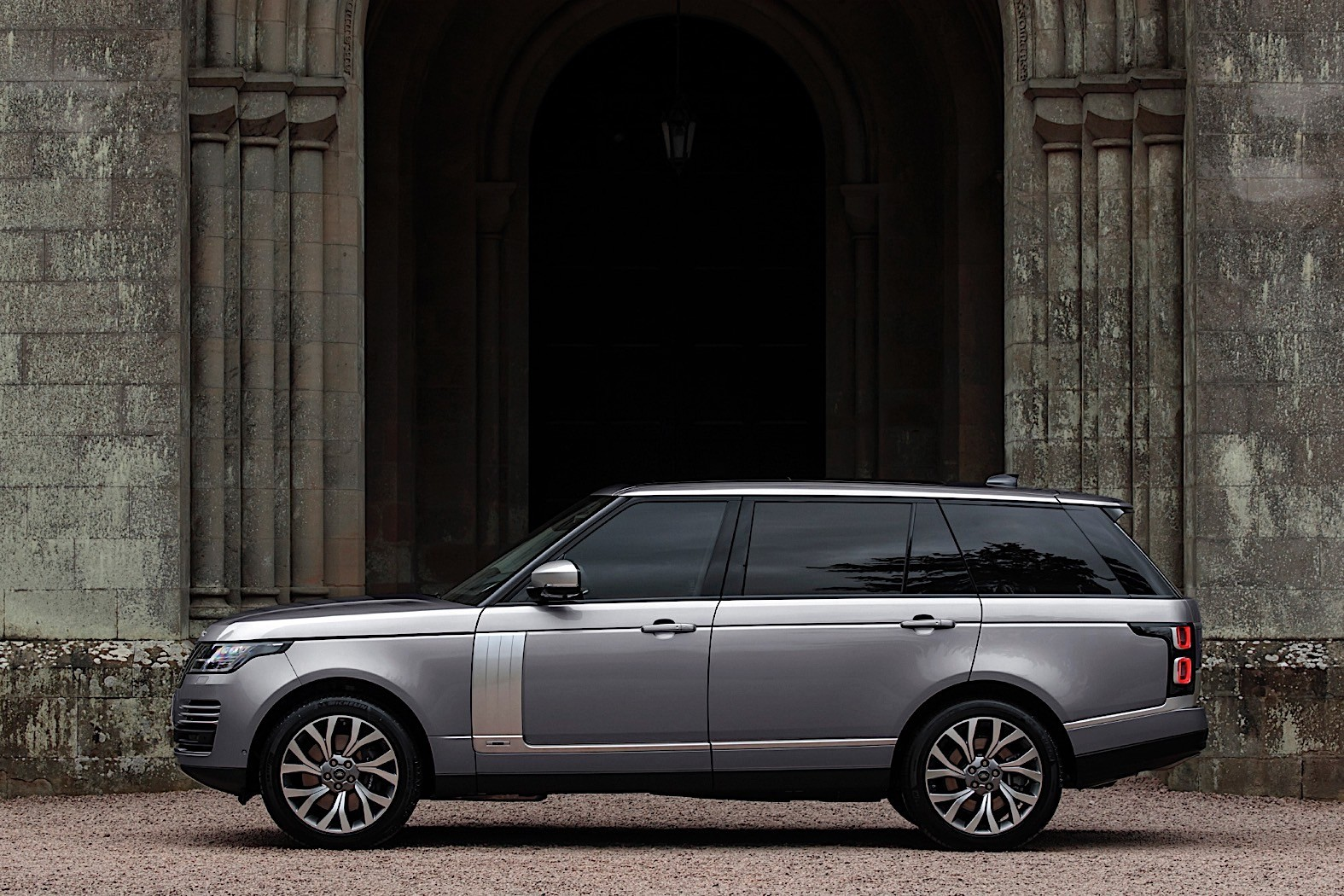 2020 Range Rover Gets Mild-Hybrid for the U.S., Starts at ...